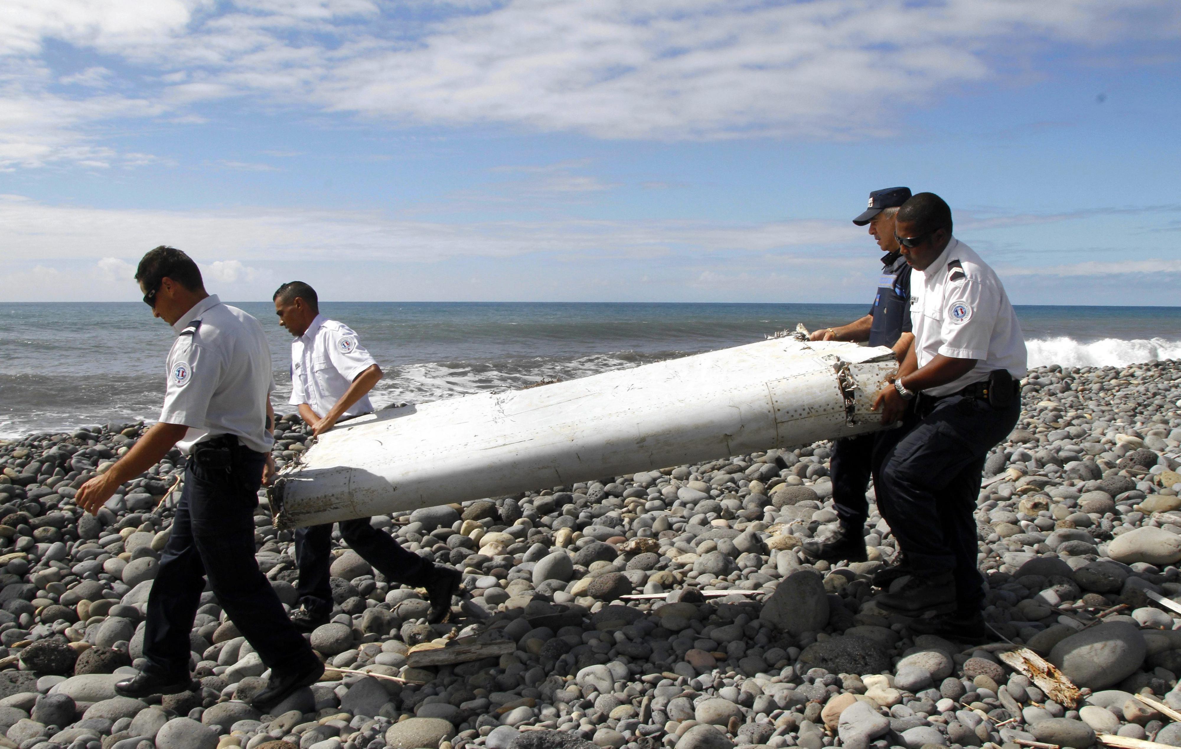 Het enige gevonden wrakstuk van de MH370, op het eiland Réunion. Foto: AFP