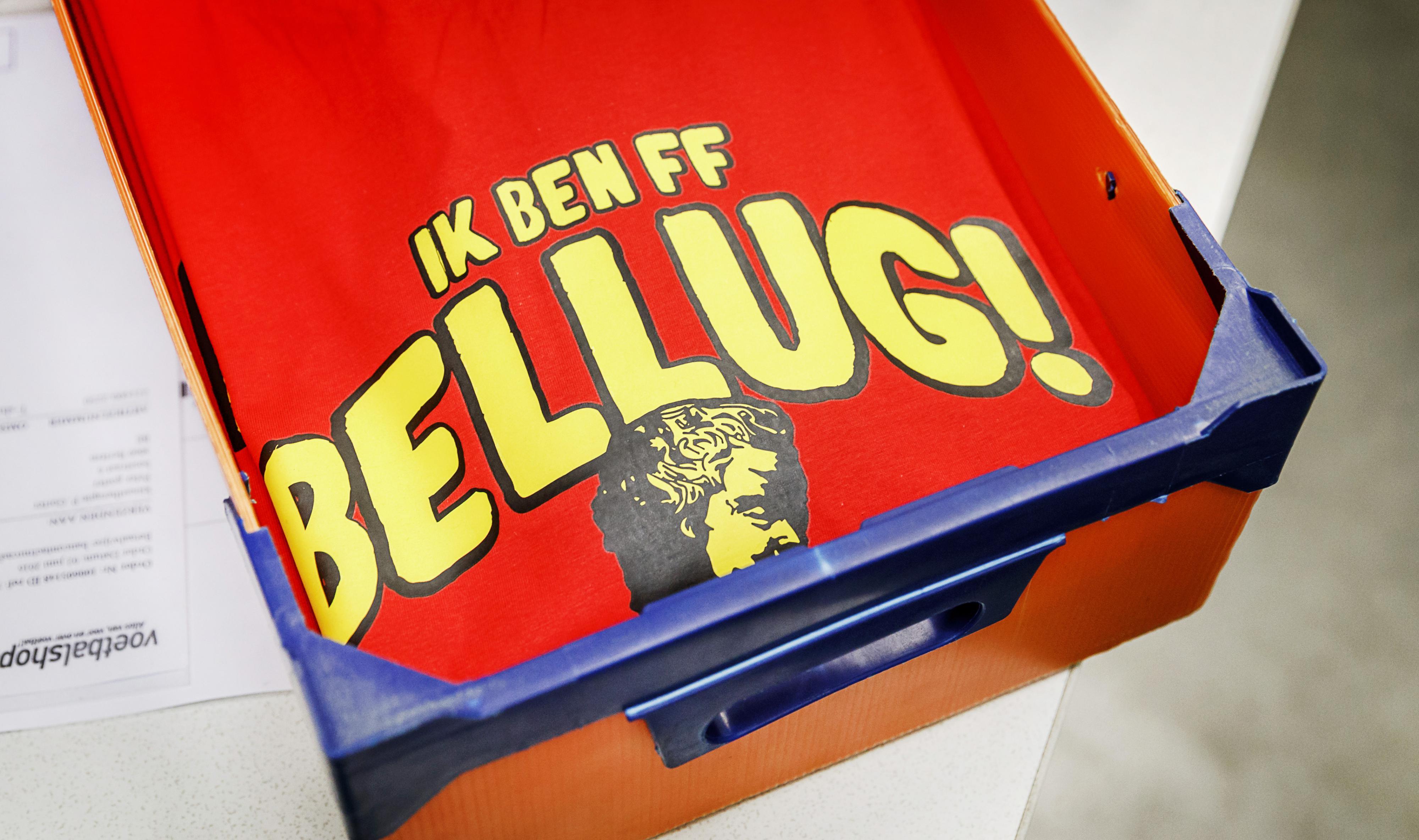T-shirts met 'Ik ben ff Bellug' worden geproduceerd bij Voetbalshop.nl vlak voor de start van het Europees kampioenschap voetbal in Frankrijk. / ANP