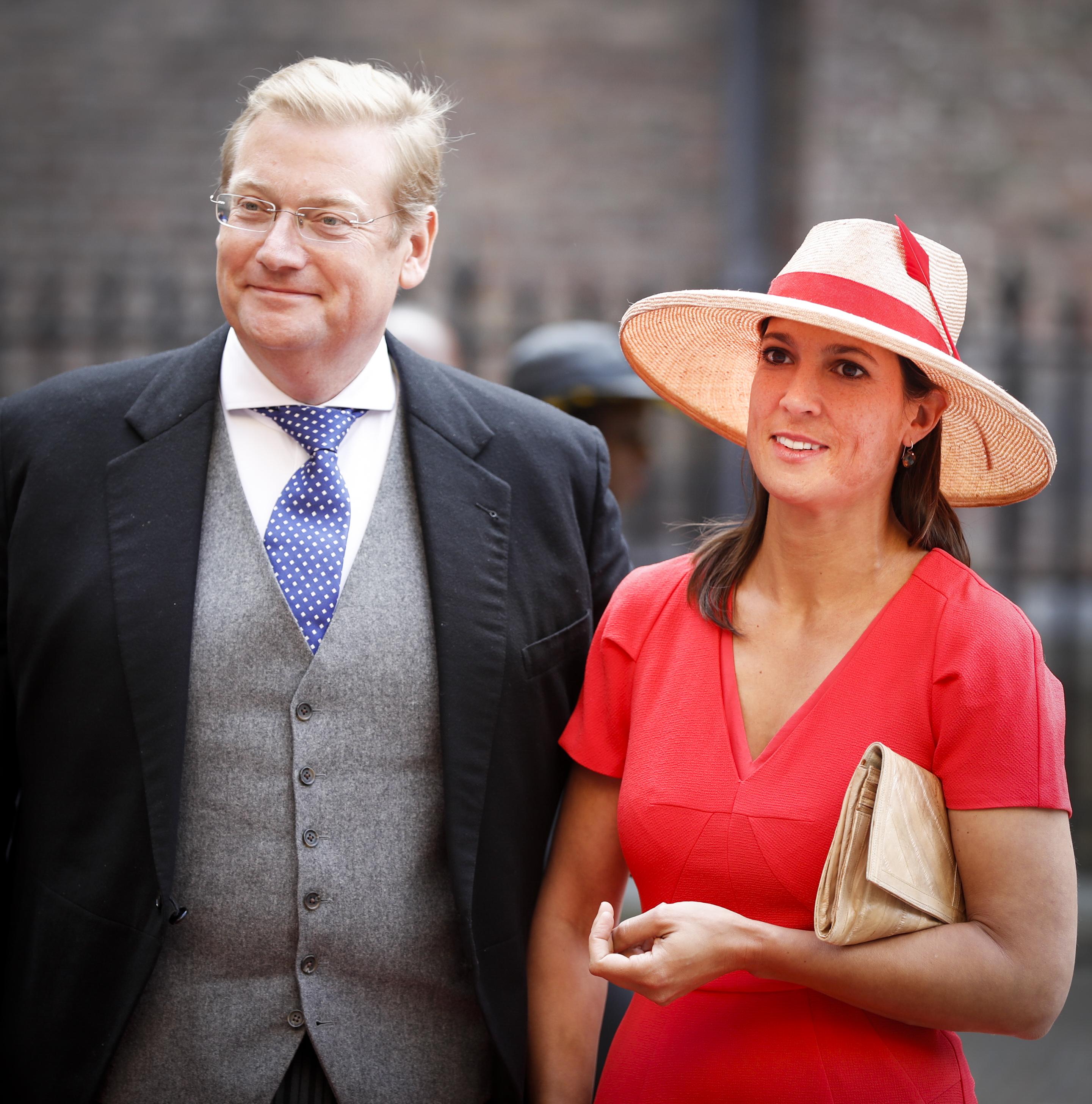 Minister Ard van der Steur van Justitie arriveert samen met zijn echtgenoot bij de Ridderzaal op Prinsjesdag. ANP