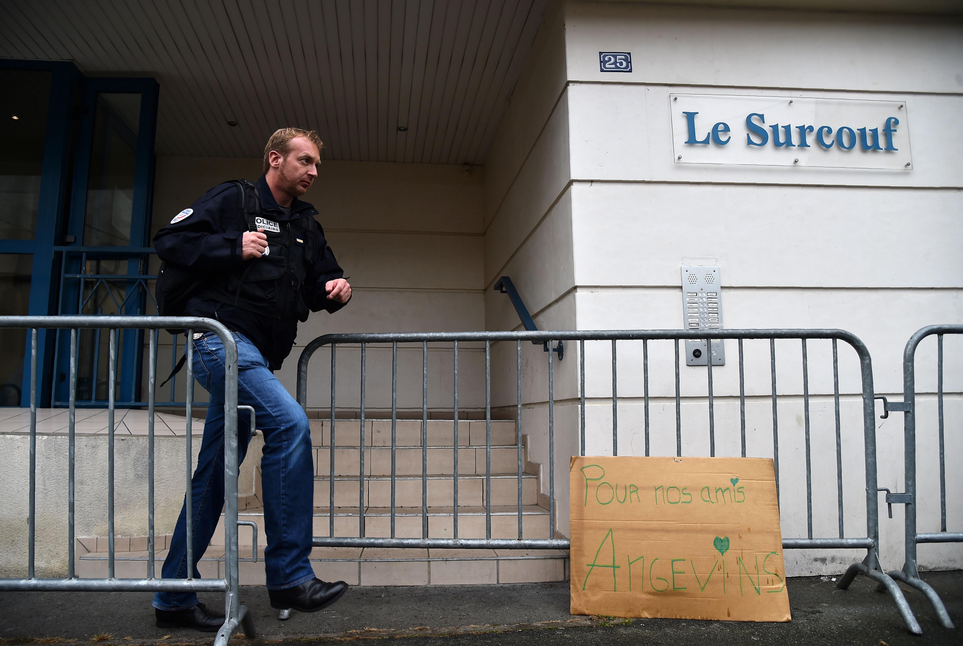 Vier doden door ingestort balkon tijdens Frans feest