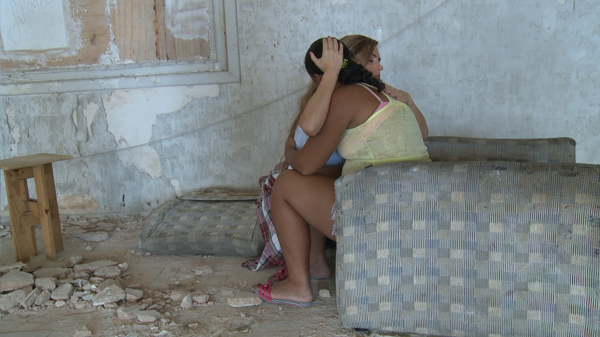 Yolanthe zag meisjes in hokken in bordelen