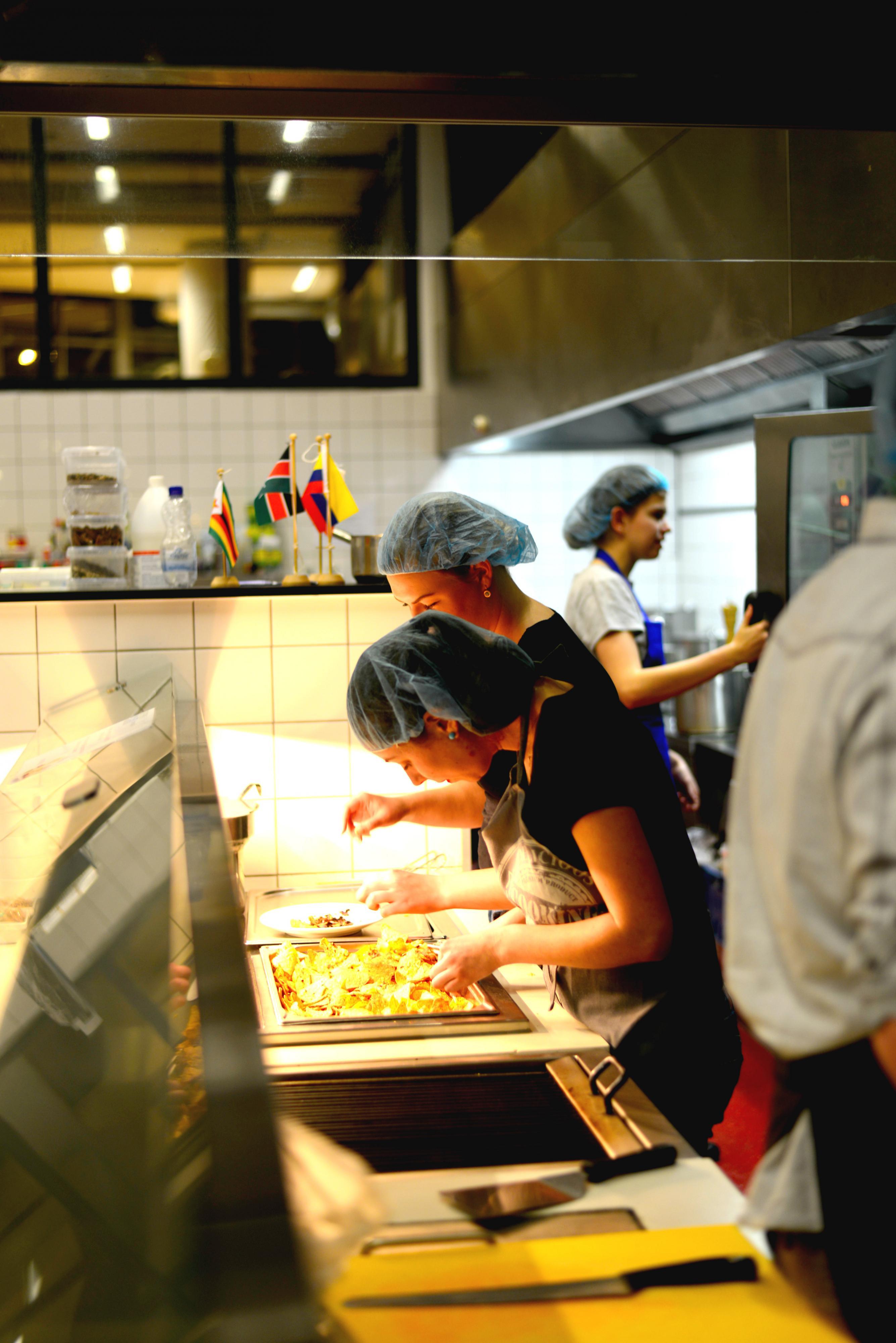 Tot nu toe gaat alles nog goed in de keuken - Happietaria Leiden