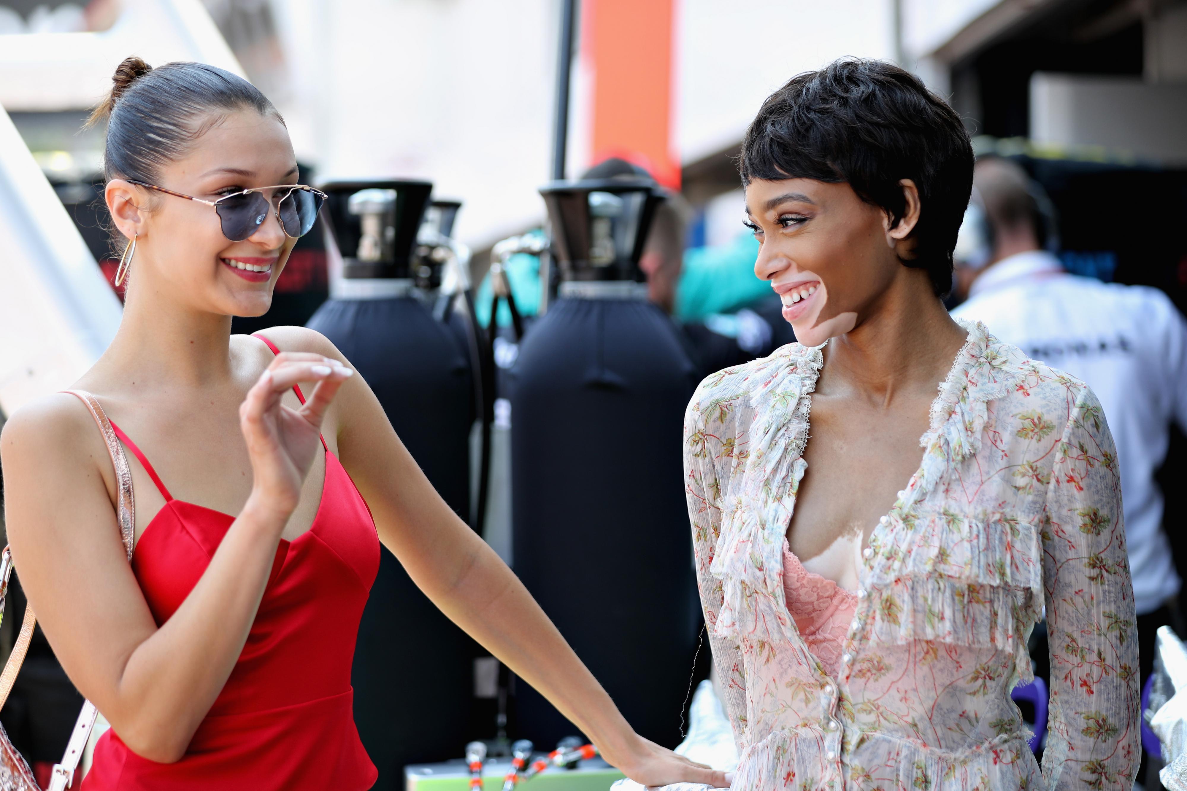 Model met zeldzame aandoening breekt alle modewetten