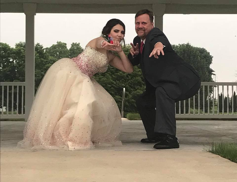 Vader neemt vriendin overleden zoon mee naar prom