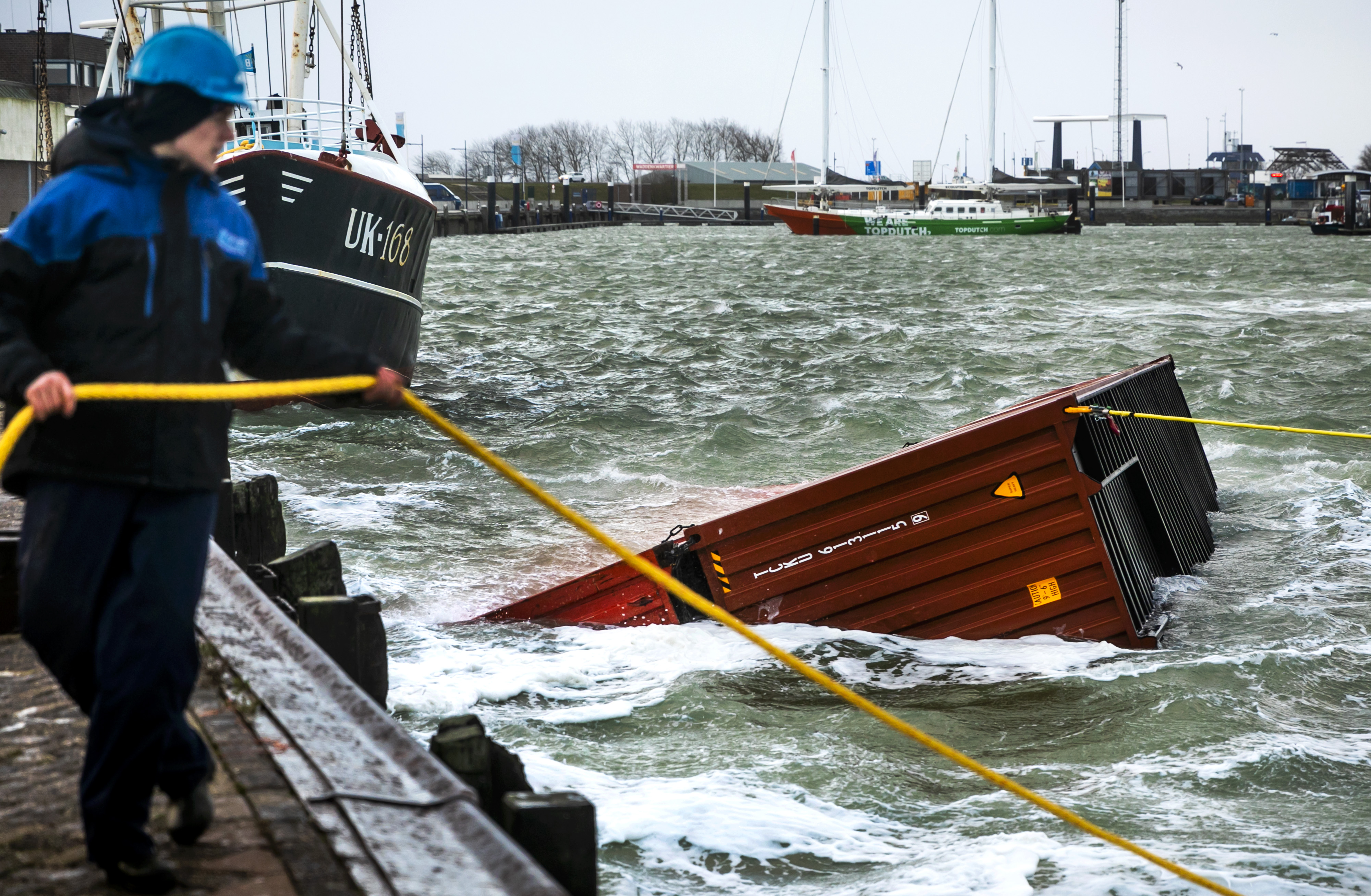 Berging containers Waddengebied van start.