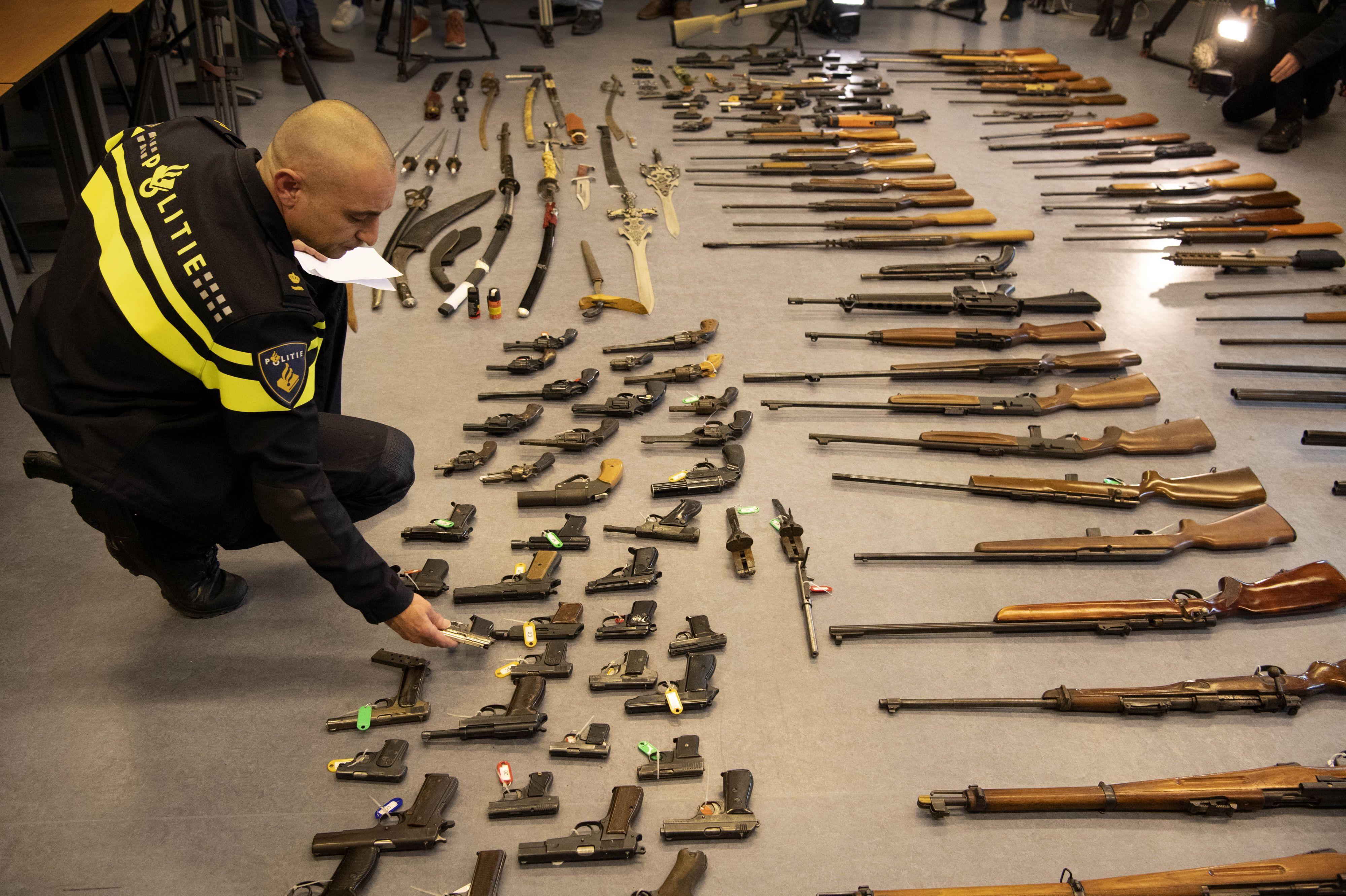 262 wapens ingeleverd bij Rotterdamse politie