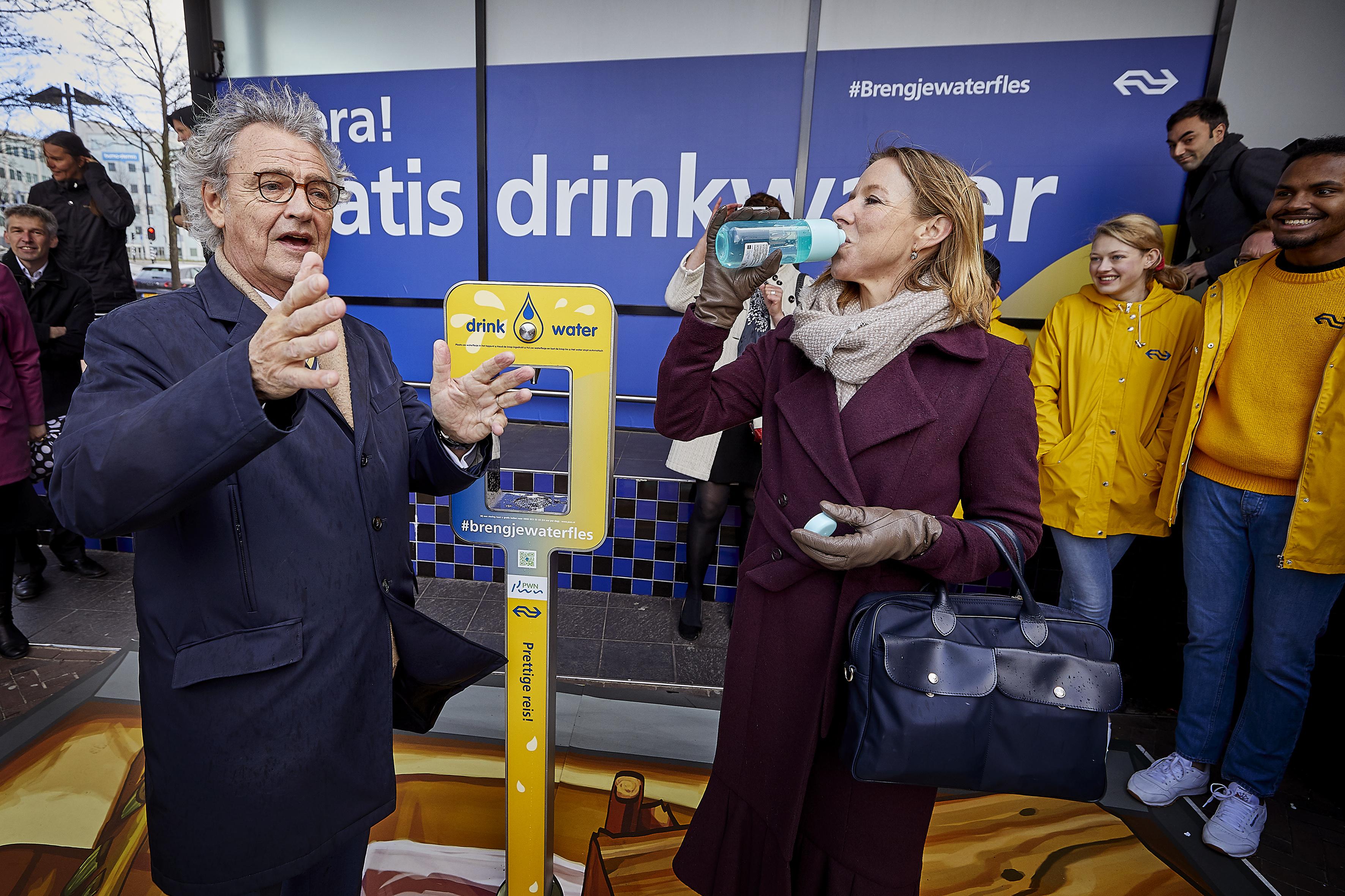 Gratis water tappen kan nu op twintig stations