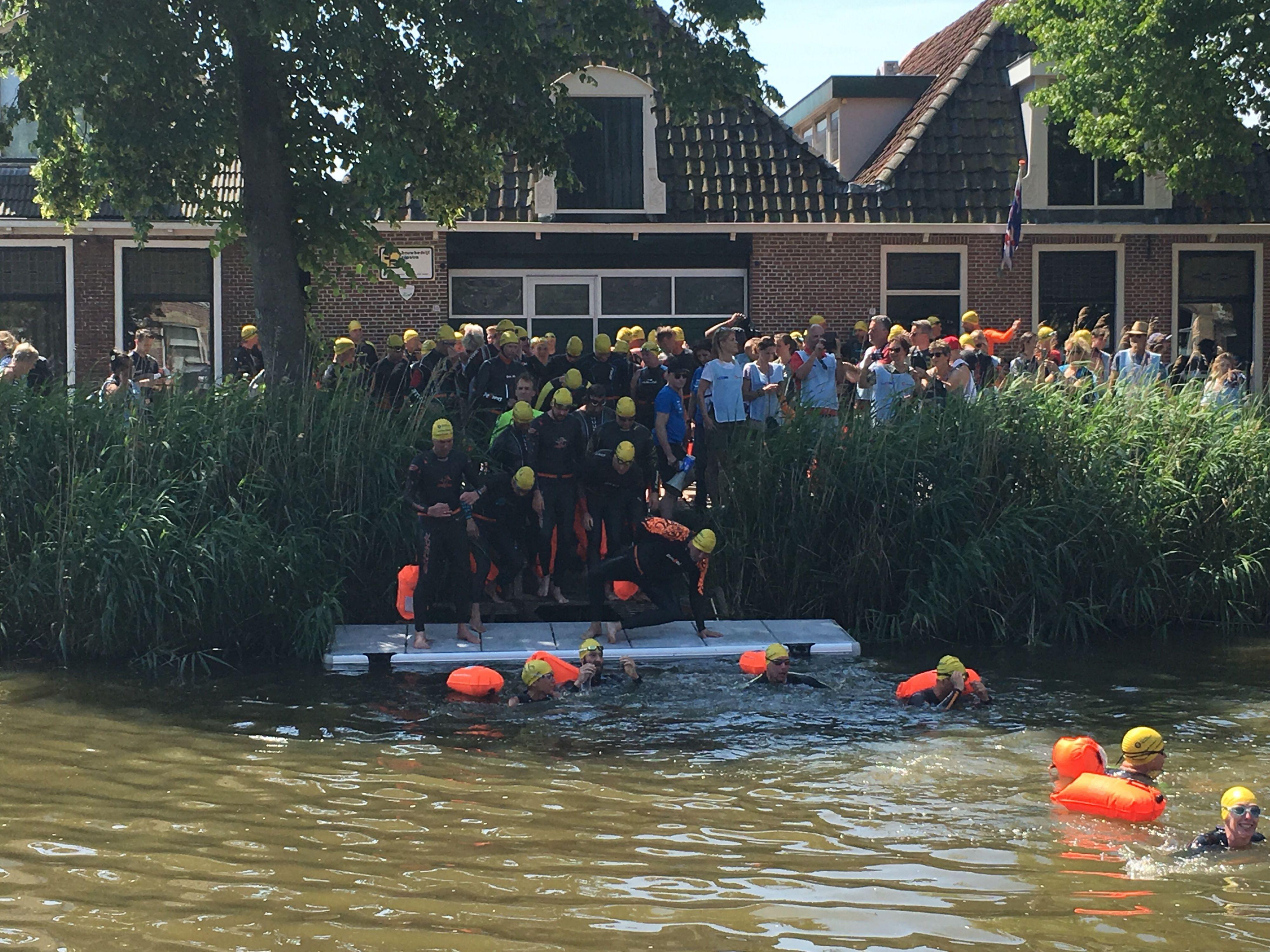 Live: Van der Weijden aangekomen in Franeker.