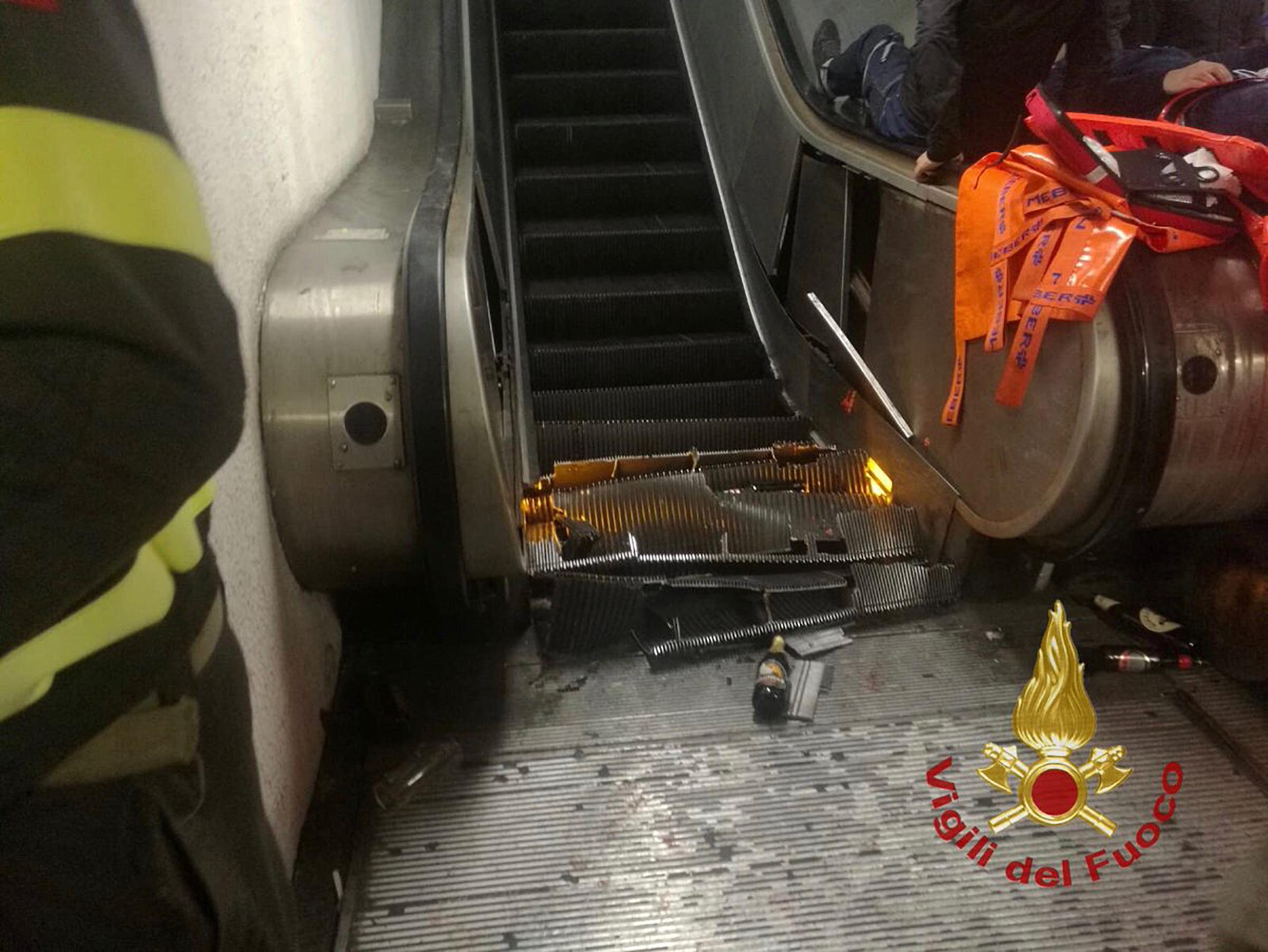 'Gevaarlijke situaties metrostations Rome door verborgen gebreken'