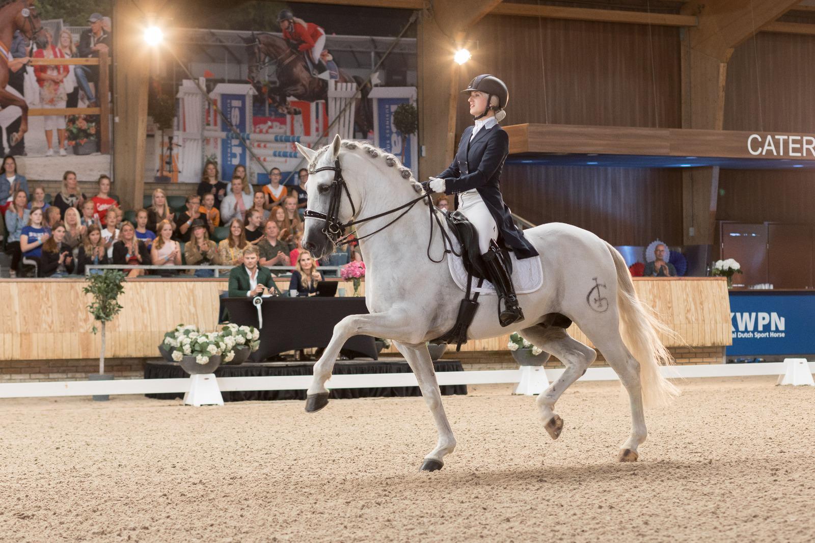 Britt Dekker: liever op een paard dan op tv