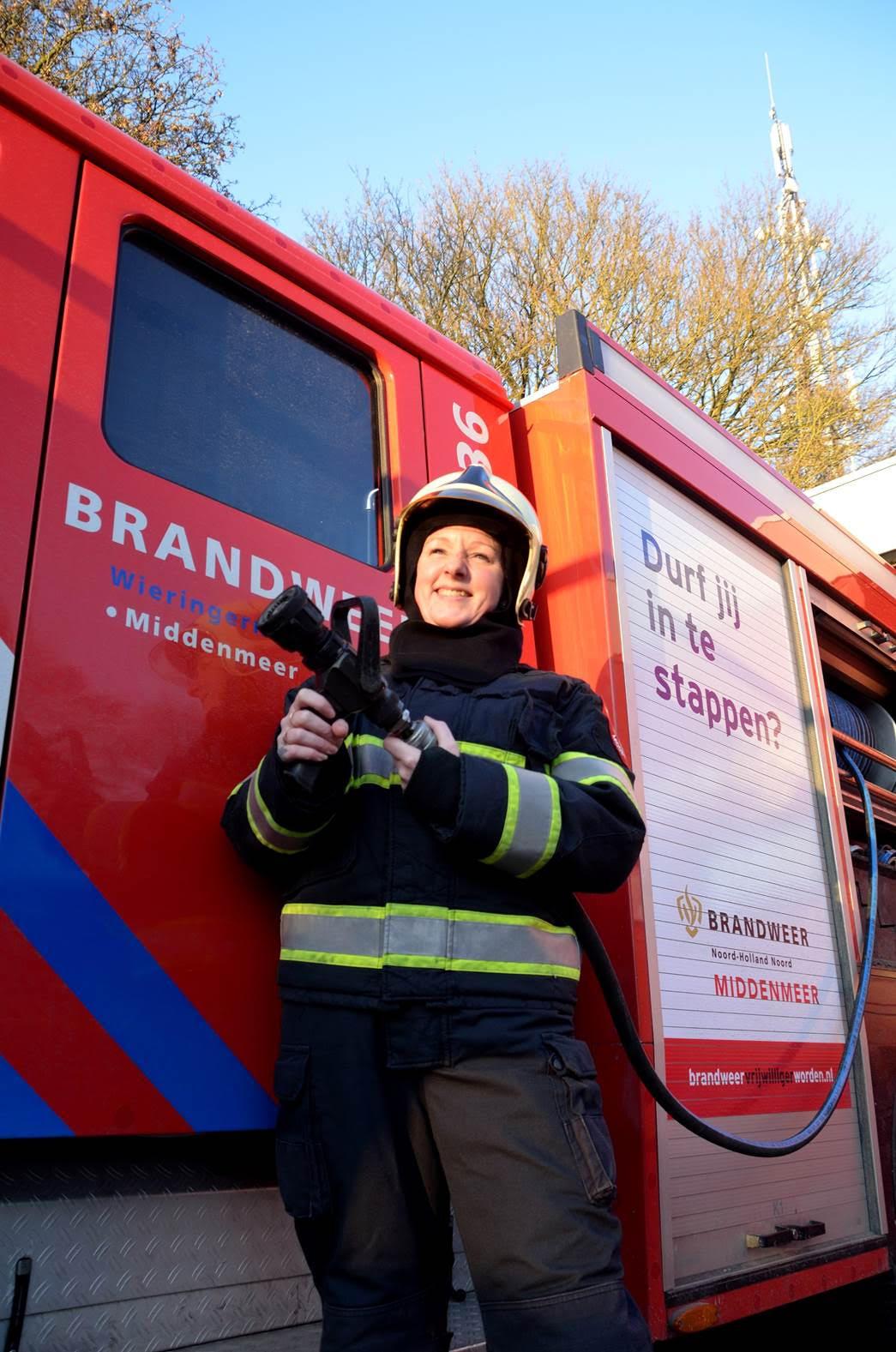 Judith (42) doet vrijwilligerswerk bij de brandweer en in een hospice