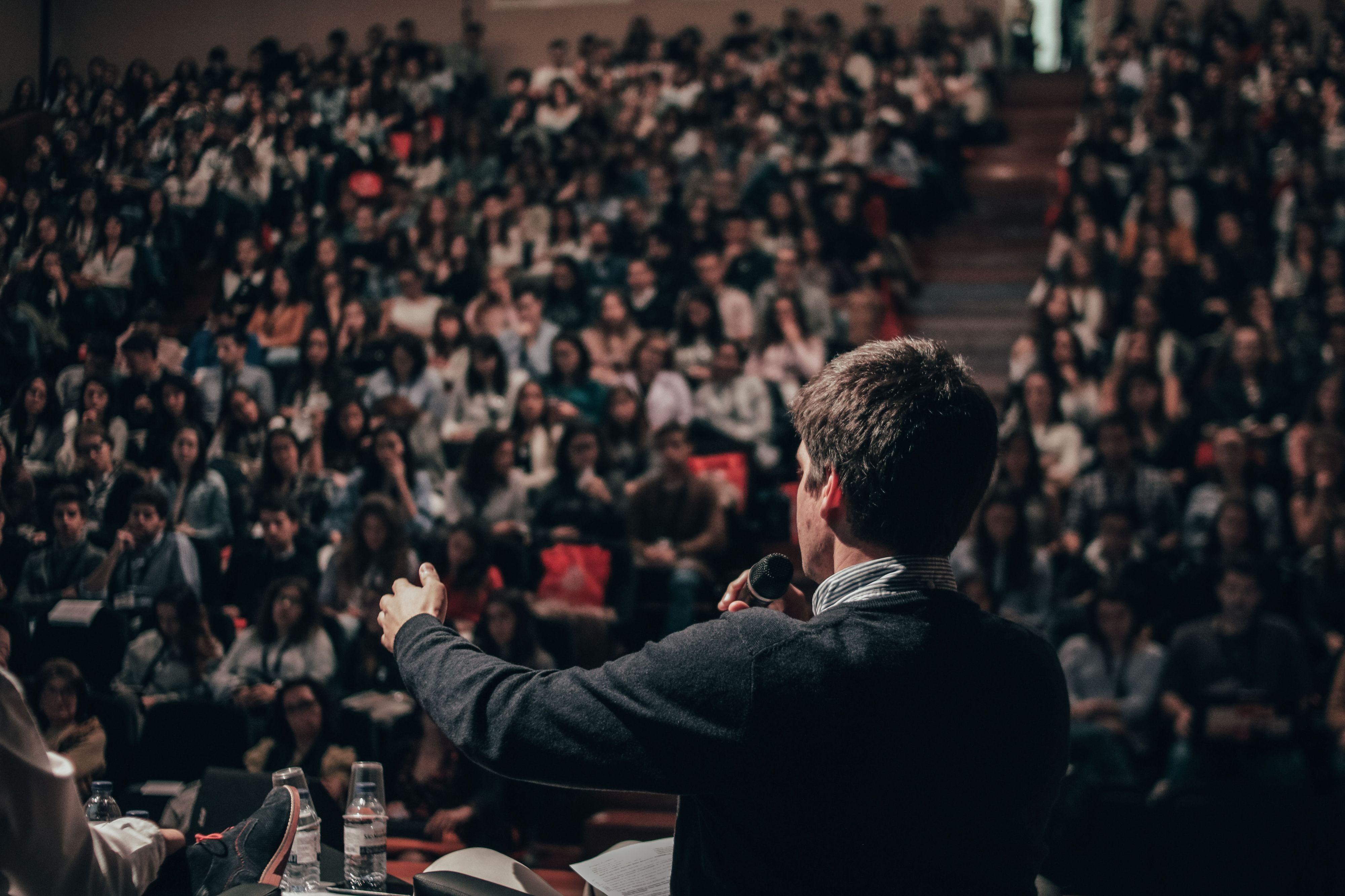 Waarom de juiste gastspreker jouw business boost