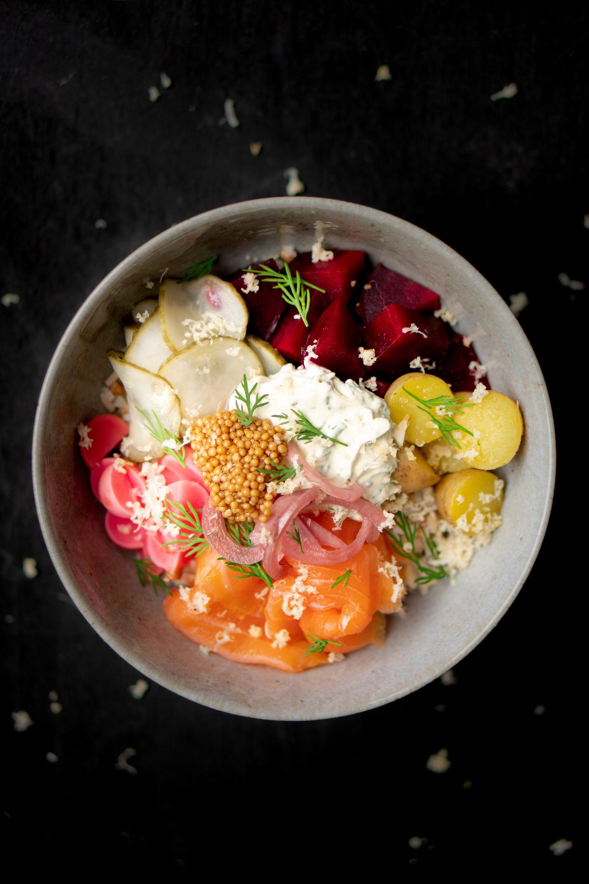Wat eten we vandaag? Rijstbowl met zalm en mierikswortel