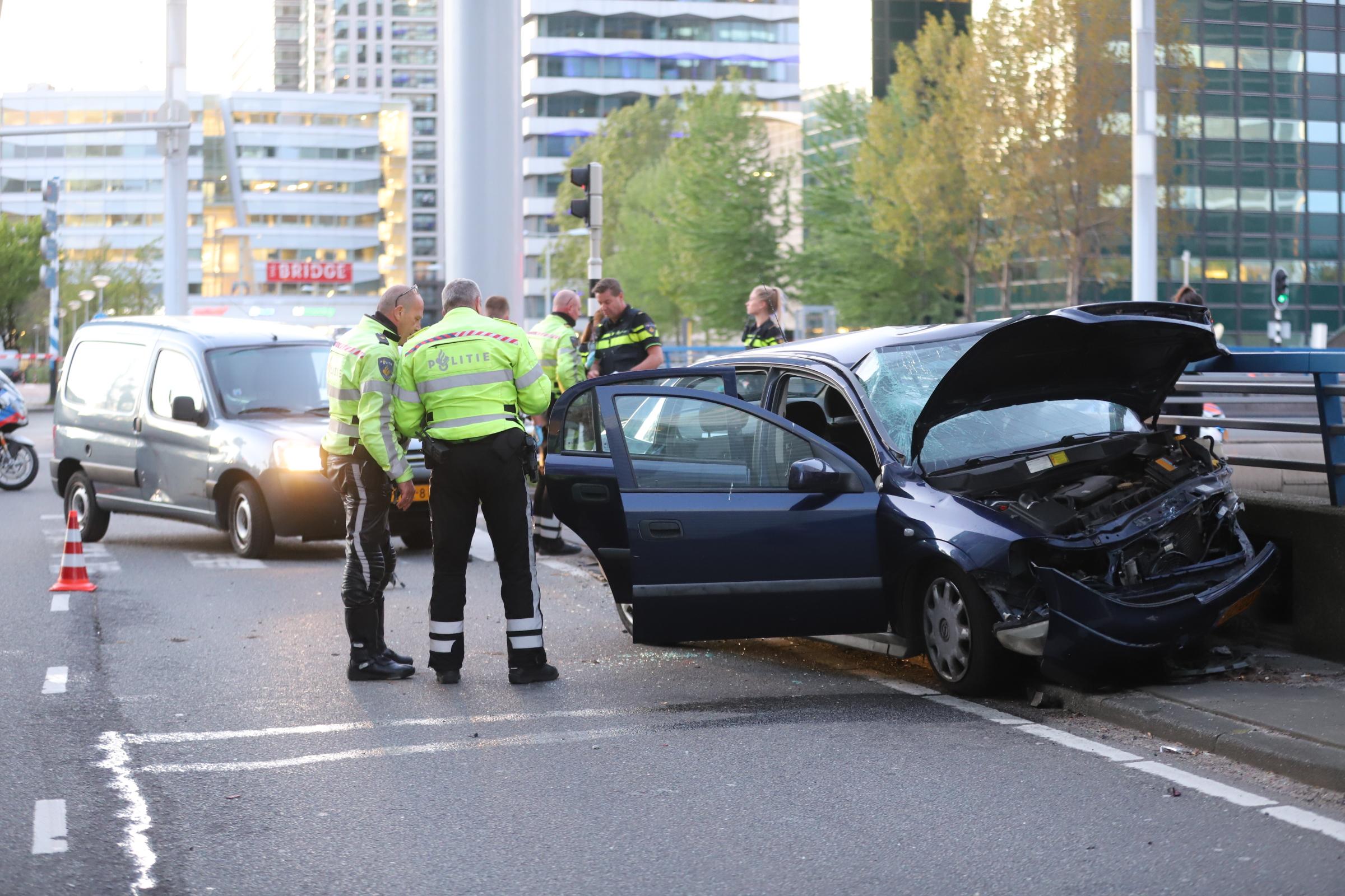 Samantha de Jong na ernstig auto-ongeluk in ziekenhuis
