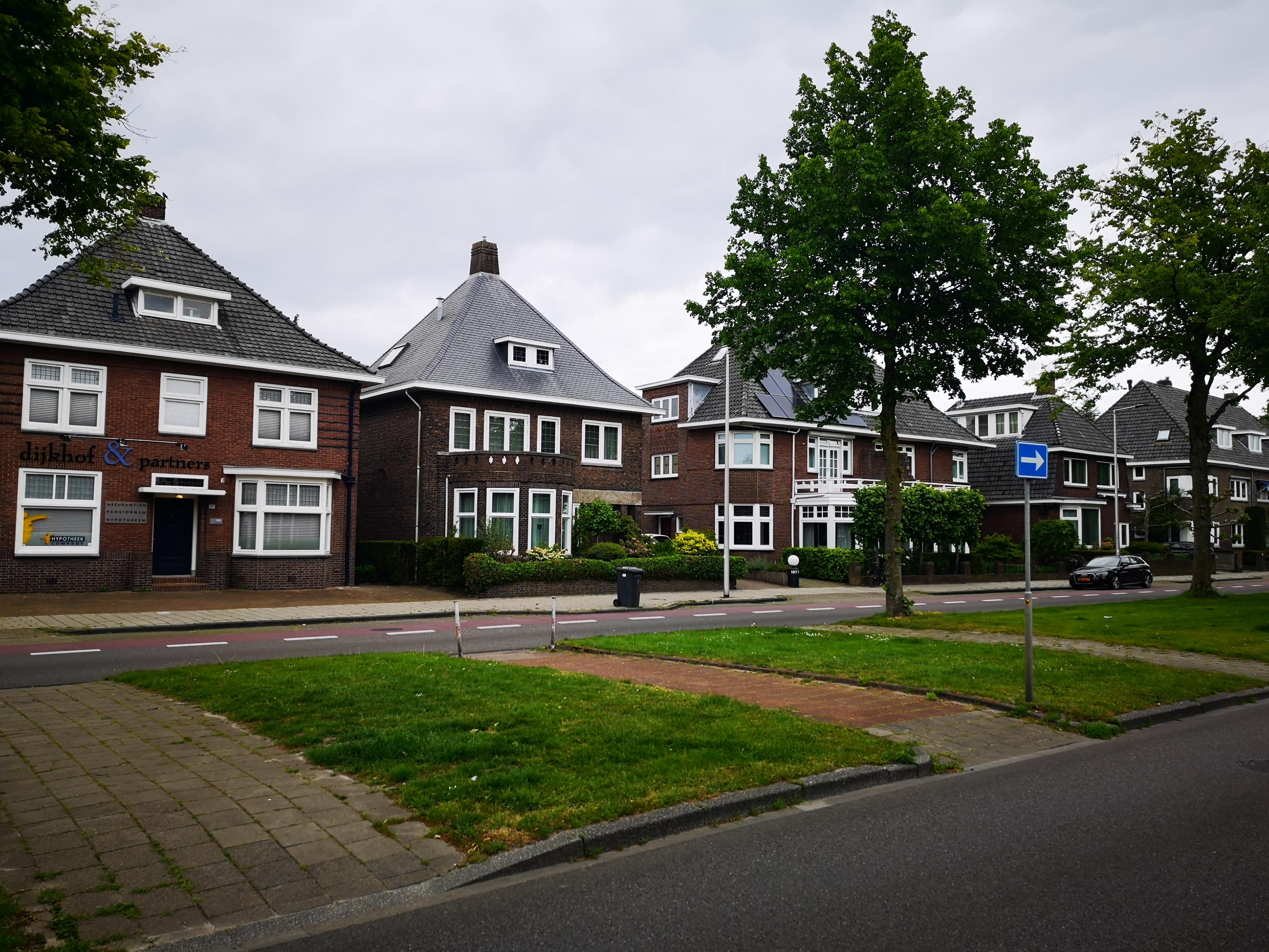 Huizen aan de Enschedese Singel anno 2020