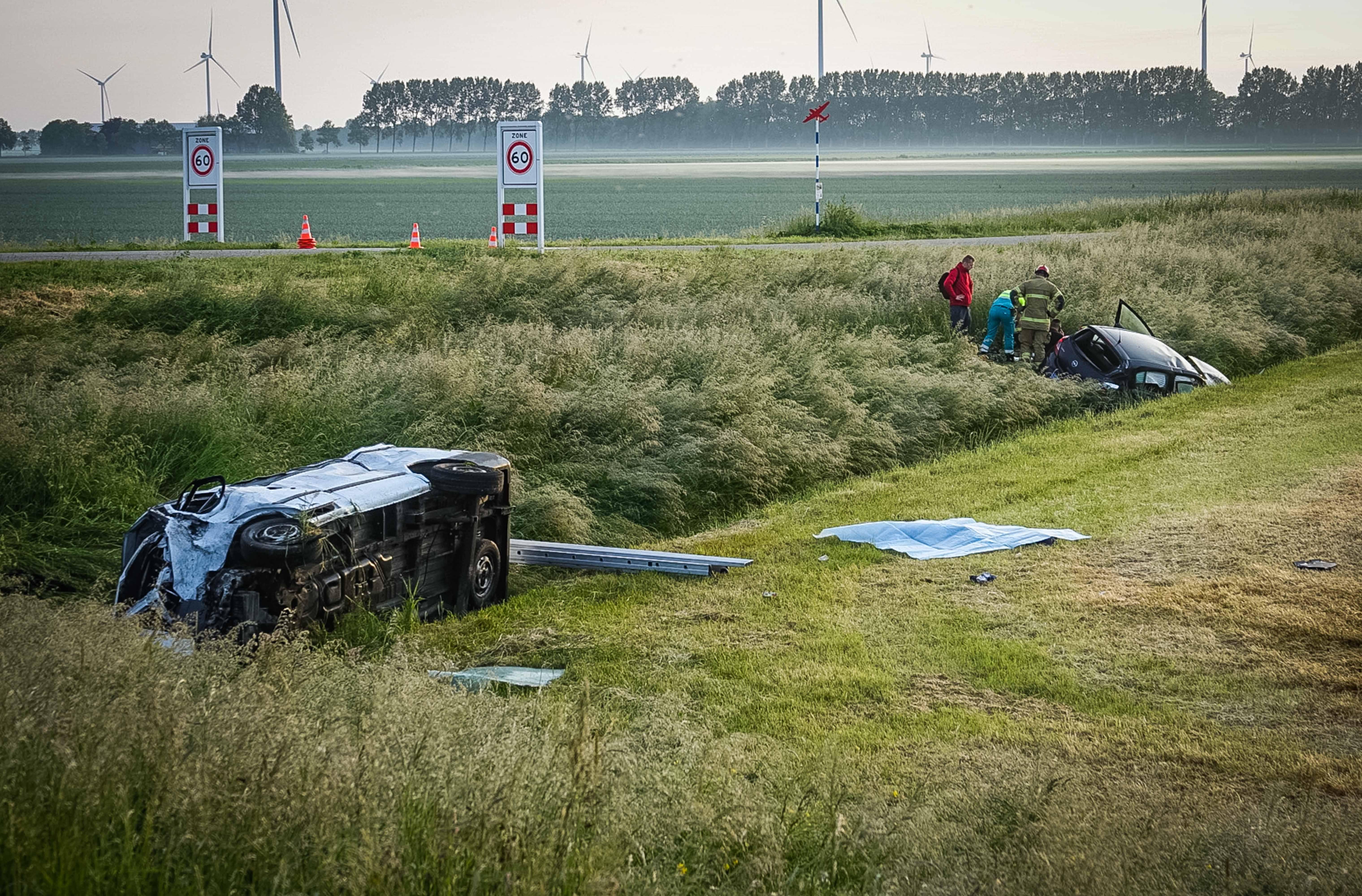 Twee doden en acht gewonden bij ongeval Middenmeer.