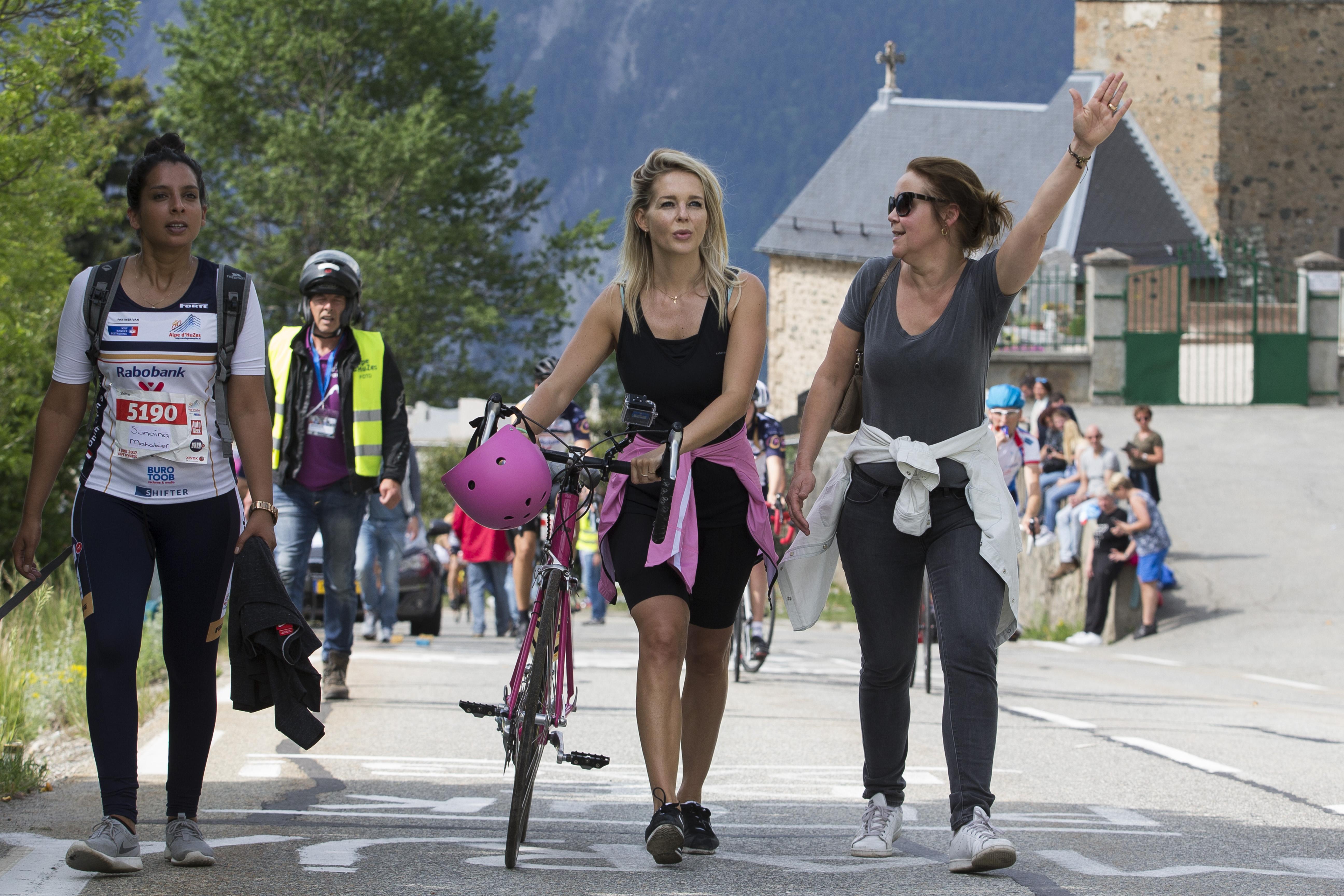 Een foto van Chantal Janzen die in 2017 deelnam aan de Alpe d'Huzes