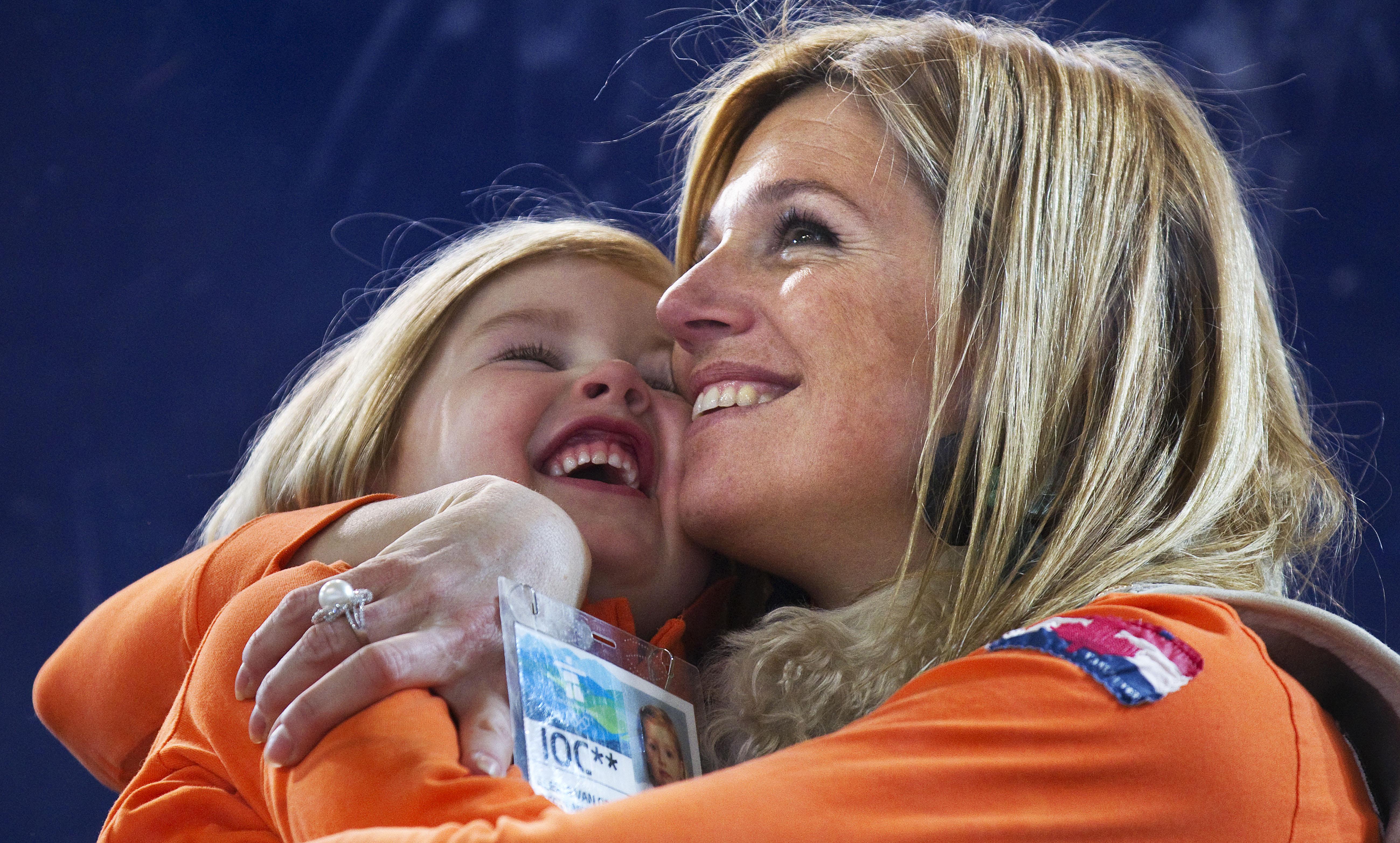 Alexia met haar moeder Máxima tijdens de Olympische Spelen in Vancouver in 2010