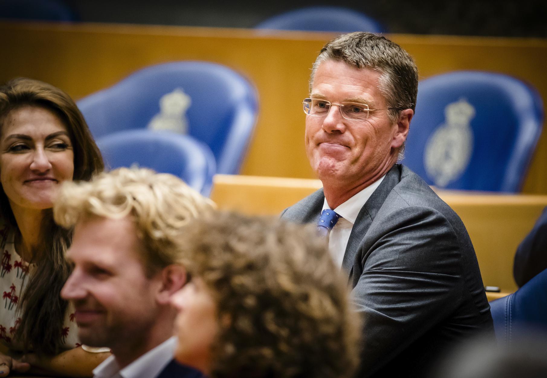 Een foto van Pieter Duisenberg van de VSNU toen hij nog in de Tweede Kamer zat