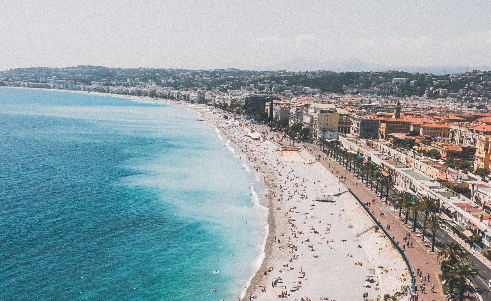 Strand in Nice, Frankrijk