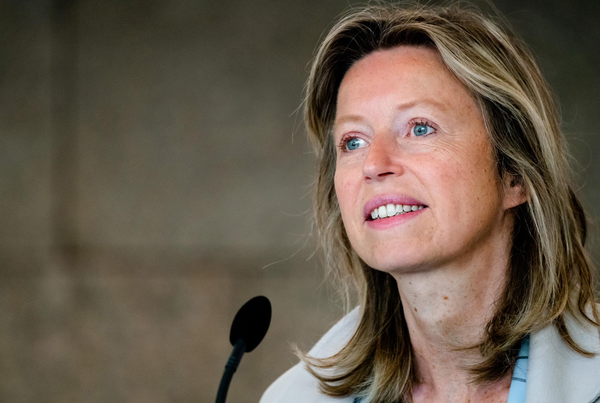 Een portretfoto van Minister Kajsa Ollongren