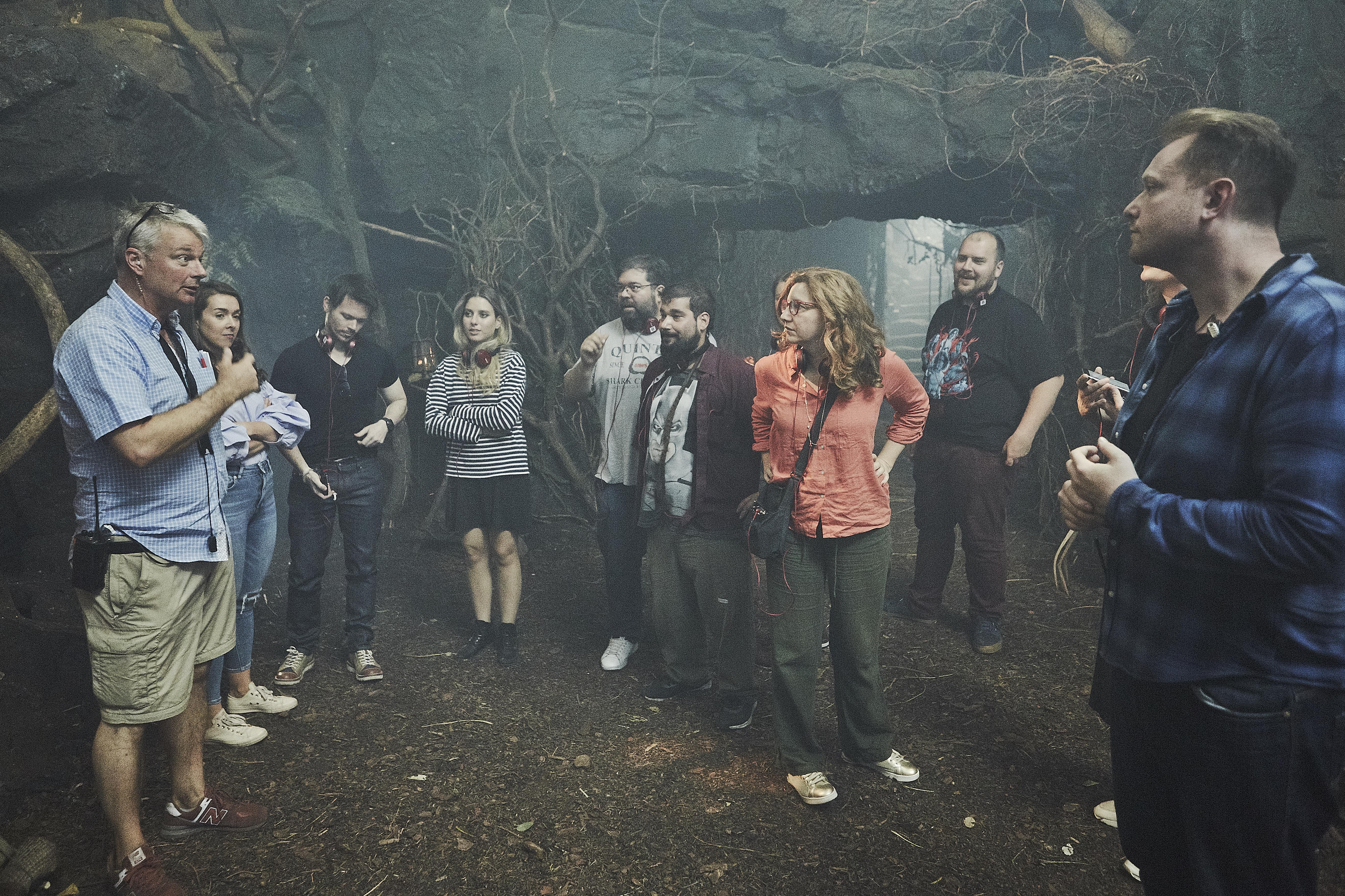 Foto van interview tijdens setbezoek Netflix serie Cursed
