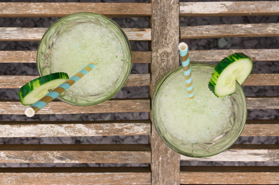 Op deze foto zie je een slush puppy met gin (!) en komkommer