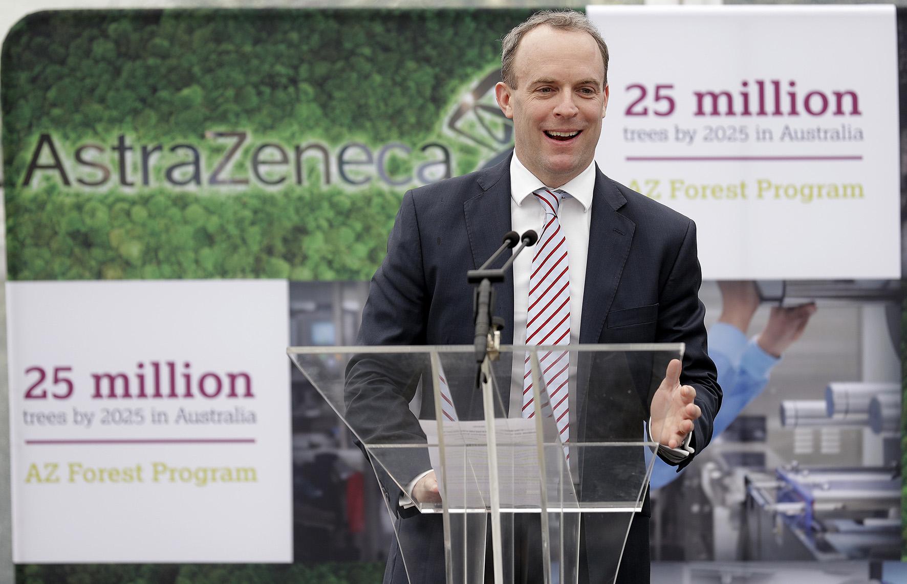 Een foto van een de Britse minister van Buitenlandse Zaken