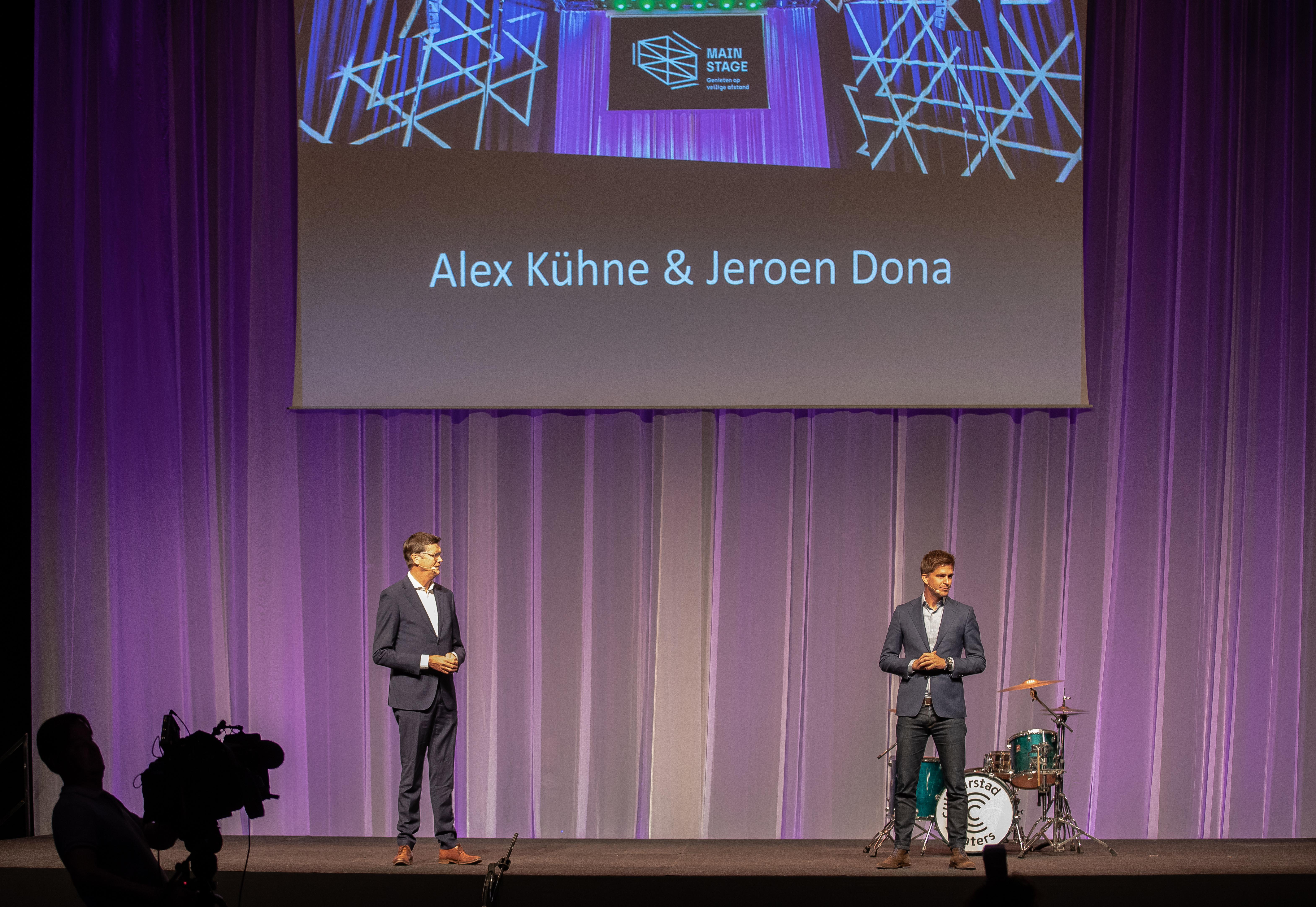 Een foto van Jeroen Dona en Alex Kühne bij de presentatie van Main Stage
