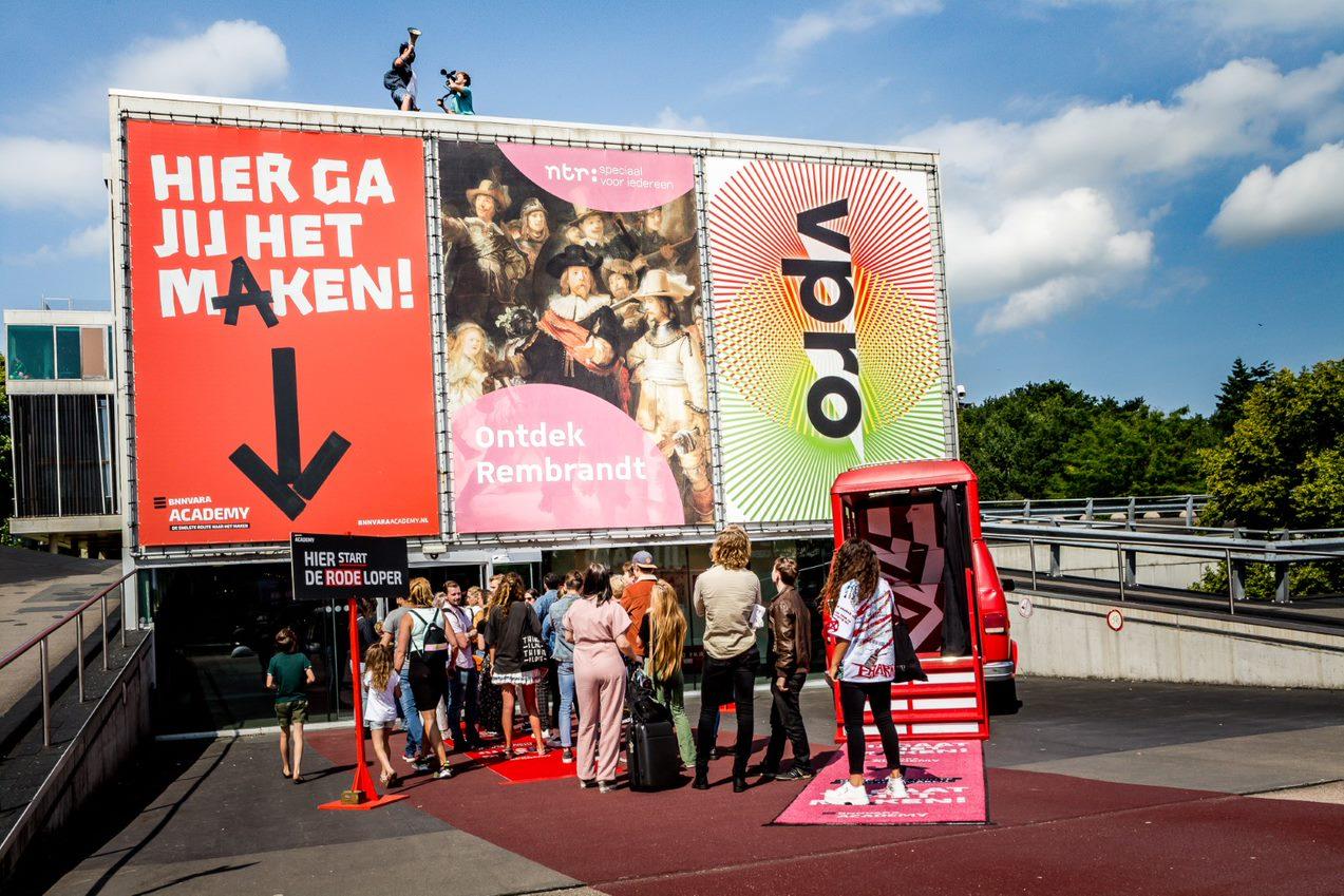 Een foto van de toegangspoort van de Talentday van BNNVARA