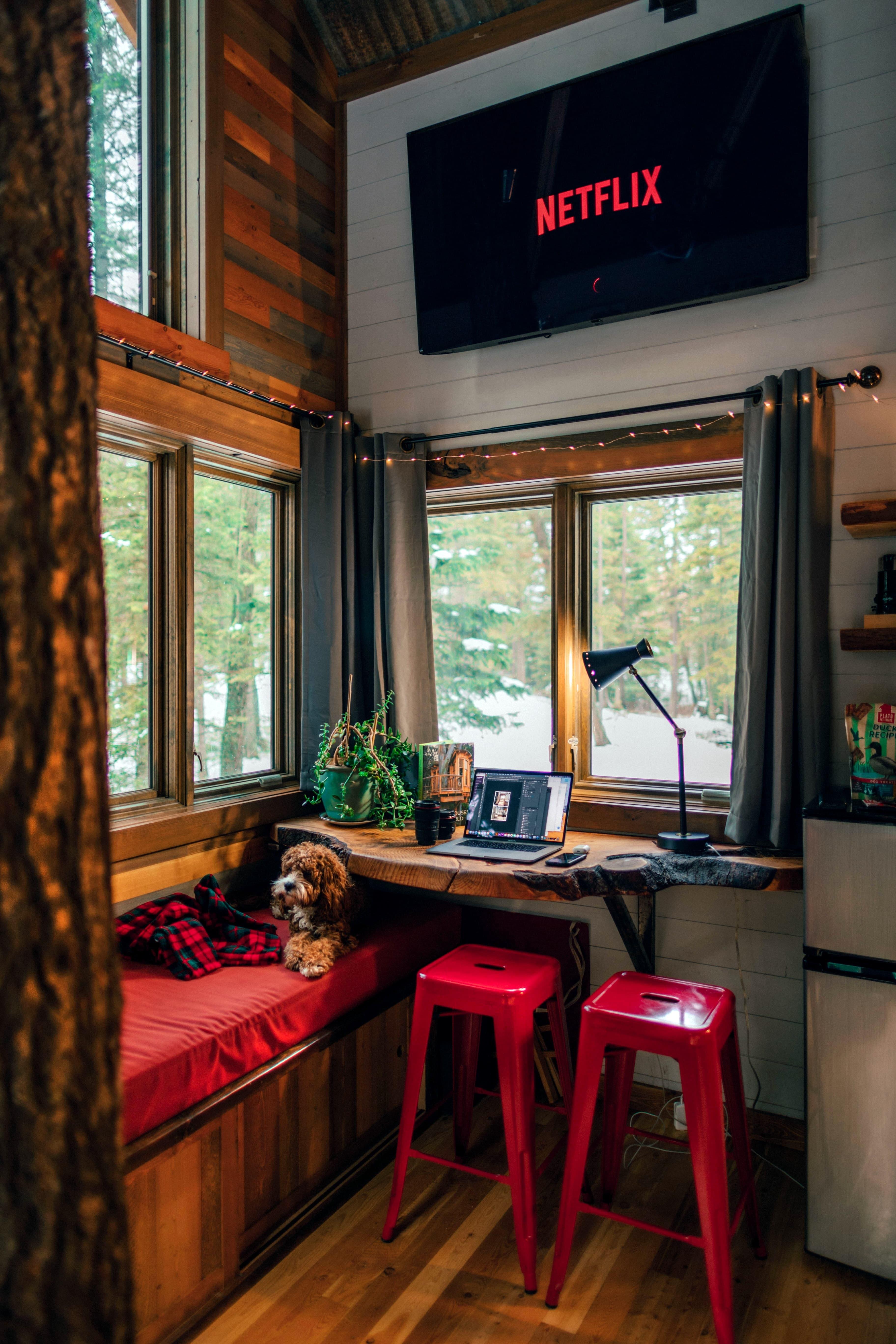 Een foto van het interieur van een tiny house