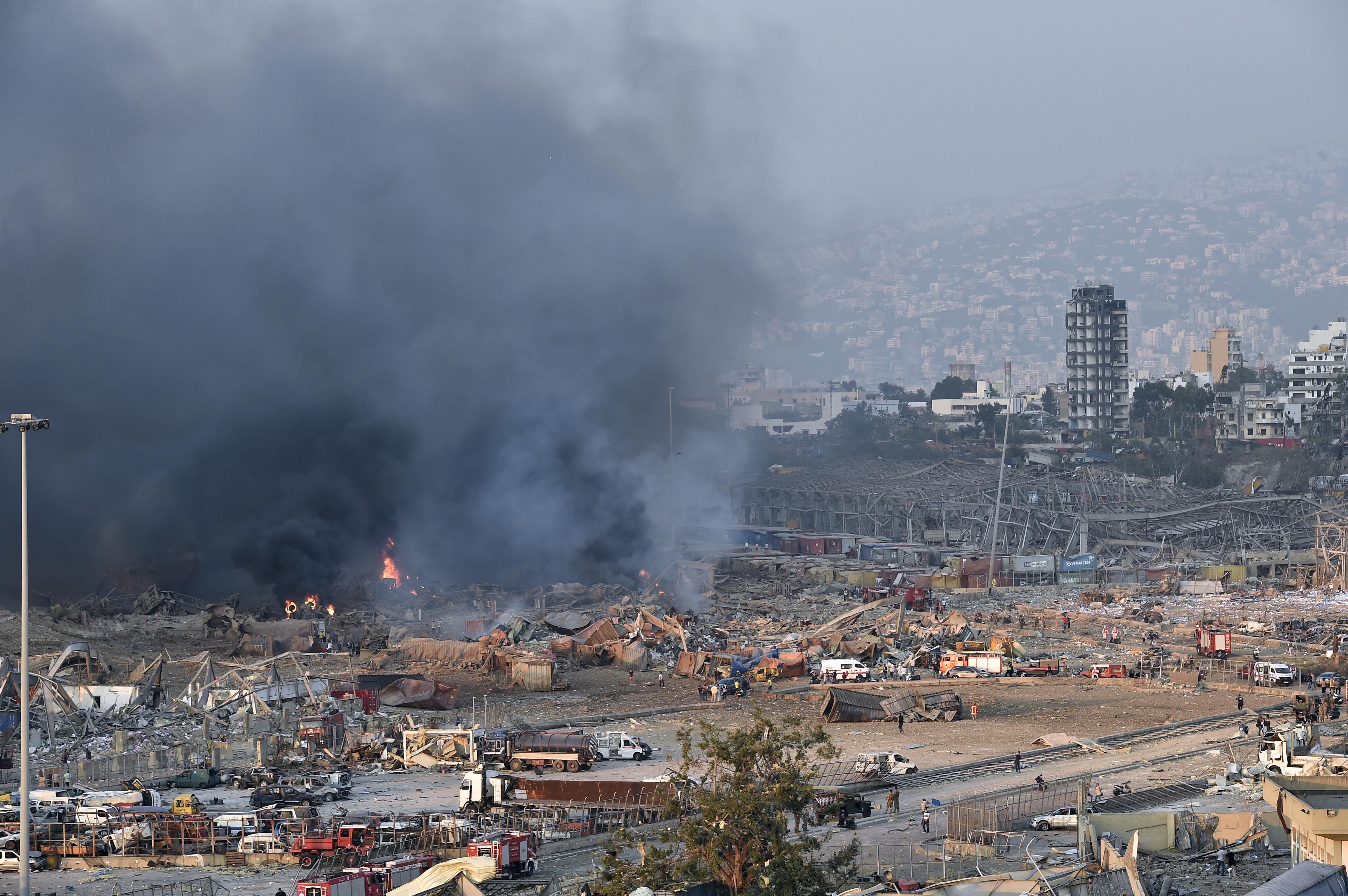 Een foto van de ravage in Beiroet