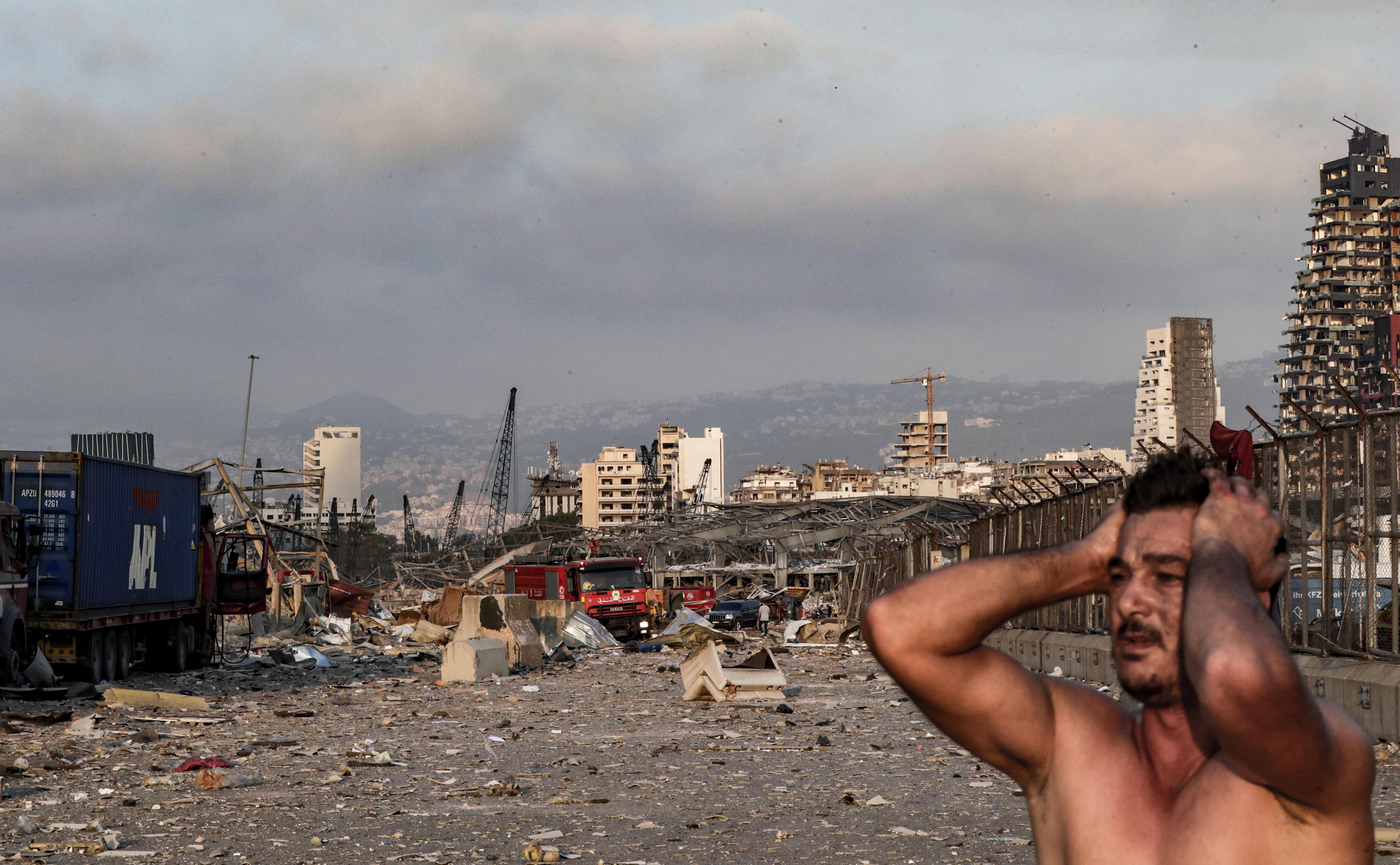 Een foto van een radeloze man in Beiroet