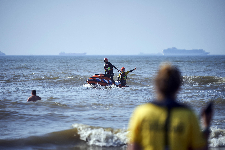 gevaarlijke-zee-eist-levens-op-snikhete-zomerdag