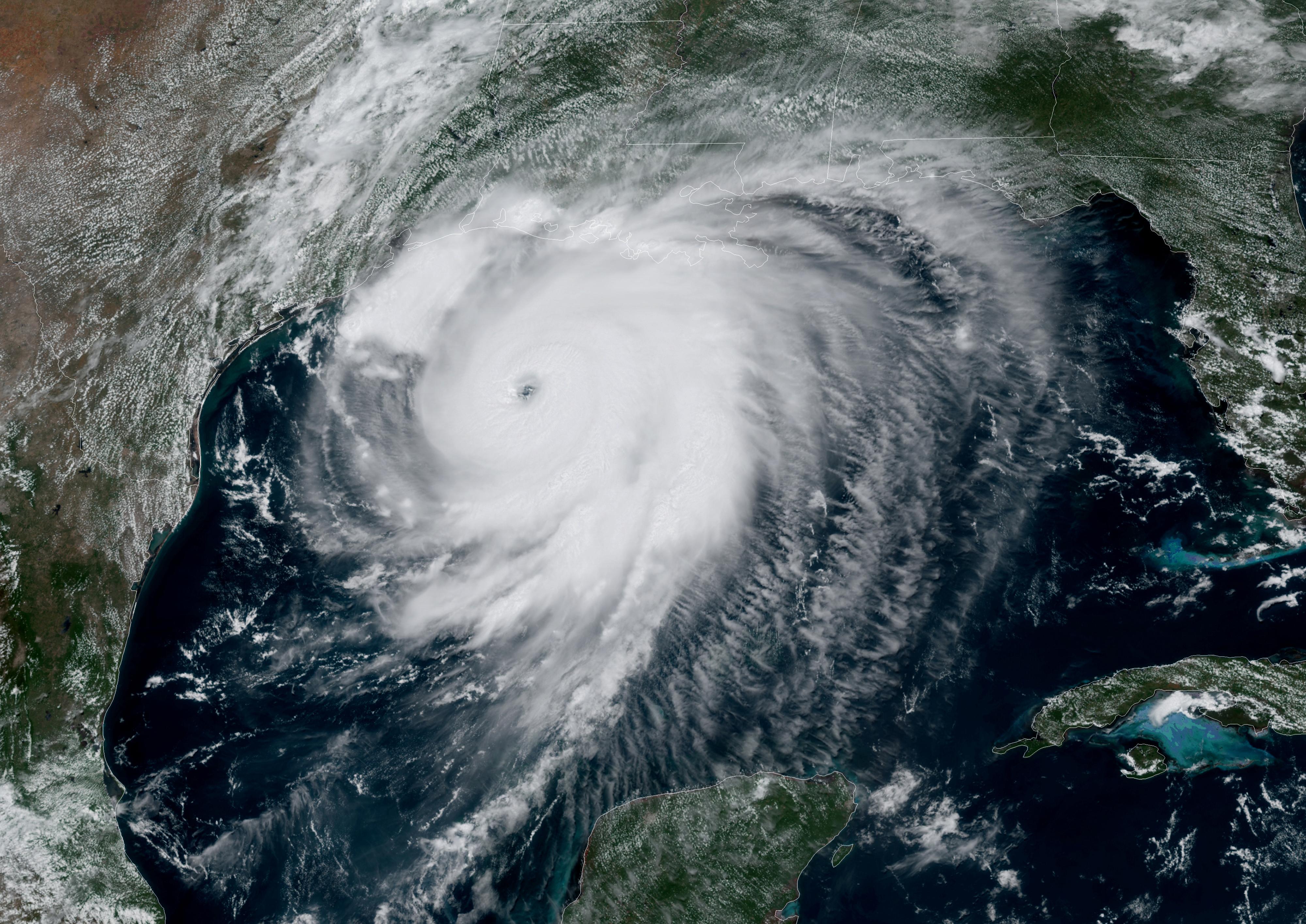 Een beeld uit de ruimte van orkaan Laura