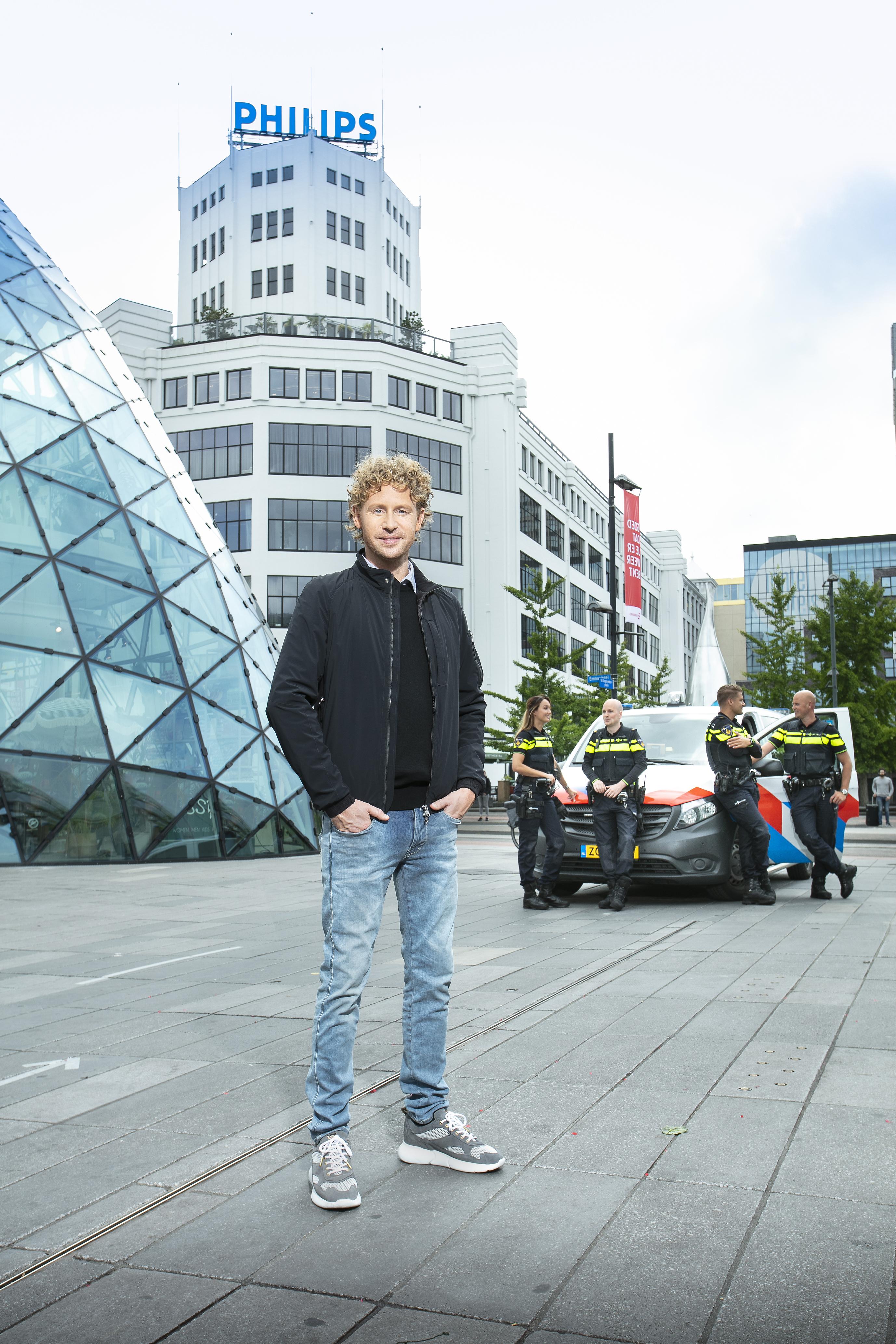 Een foto van Ewout Genemans bij de politie van Eindhoven
