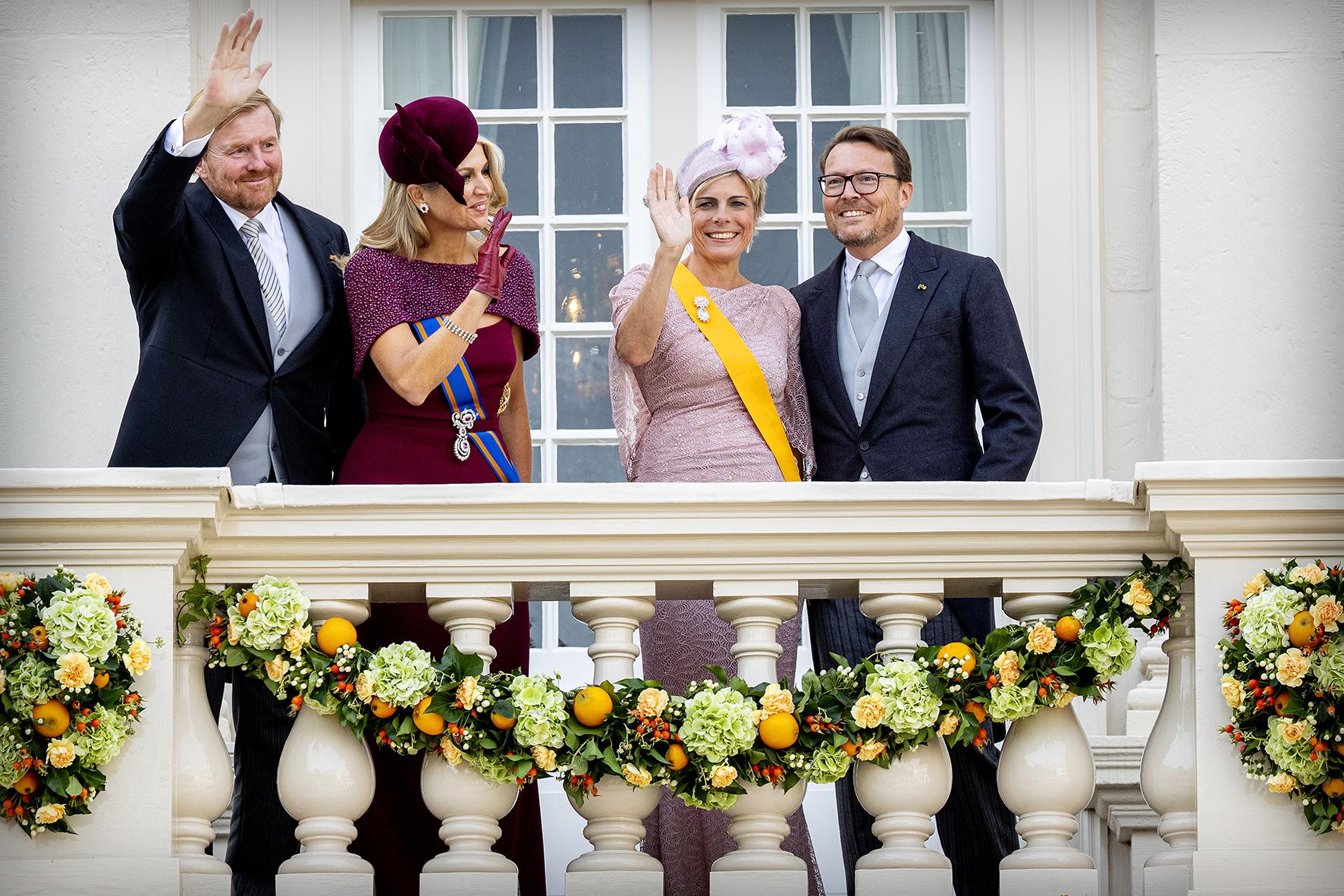 Koning Willem-Alexander en Koninging Maxima of Prins Constantijn en prinses Laurentien tijdens Prinsjesdag in Den Haag