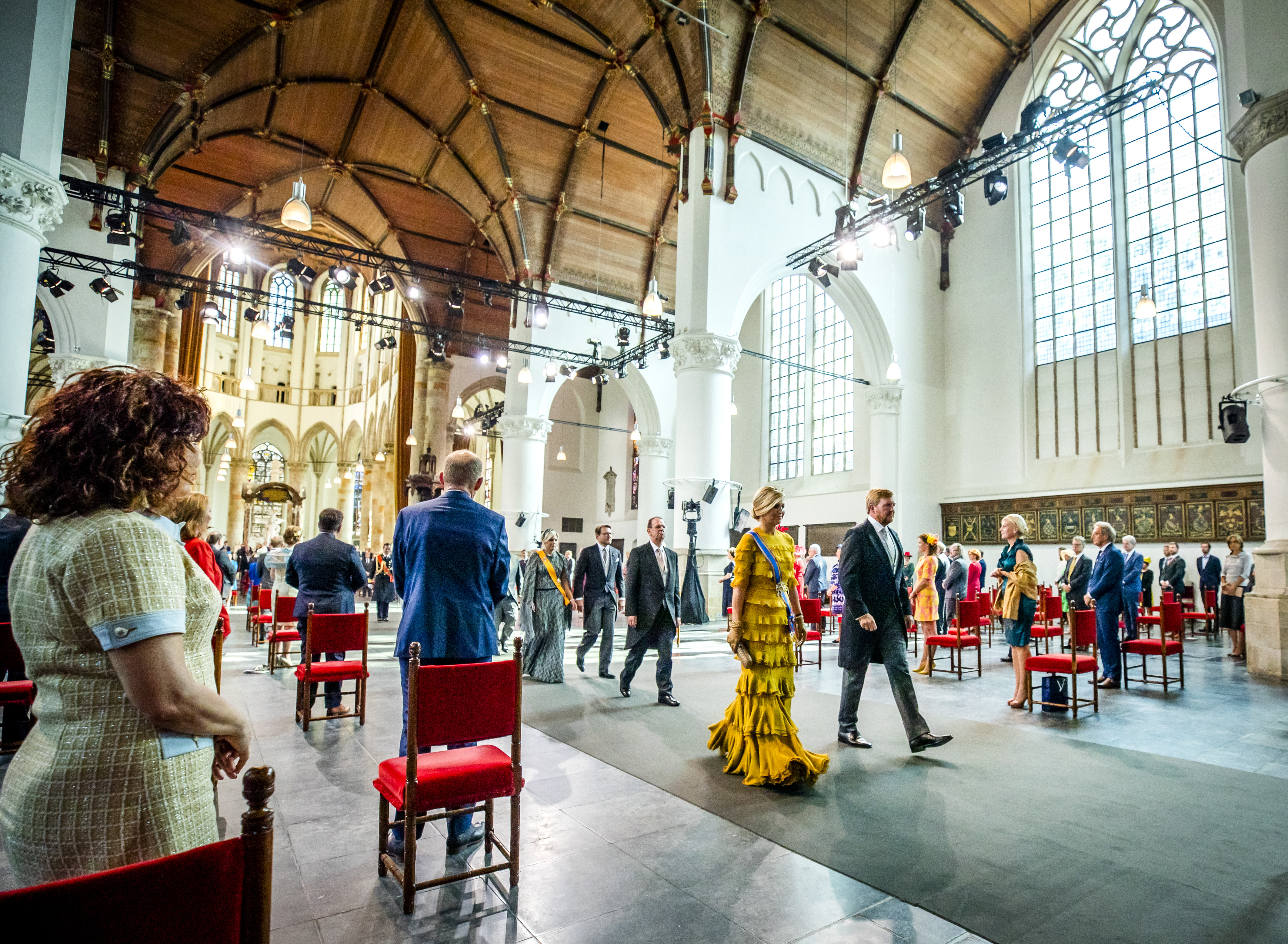 Een foto van de koning en de koningin na de Troonrede in de Grote Kerk