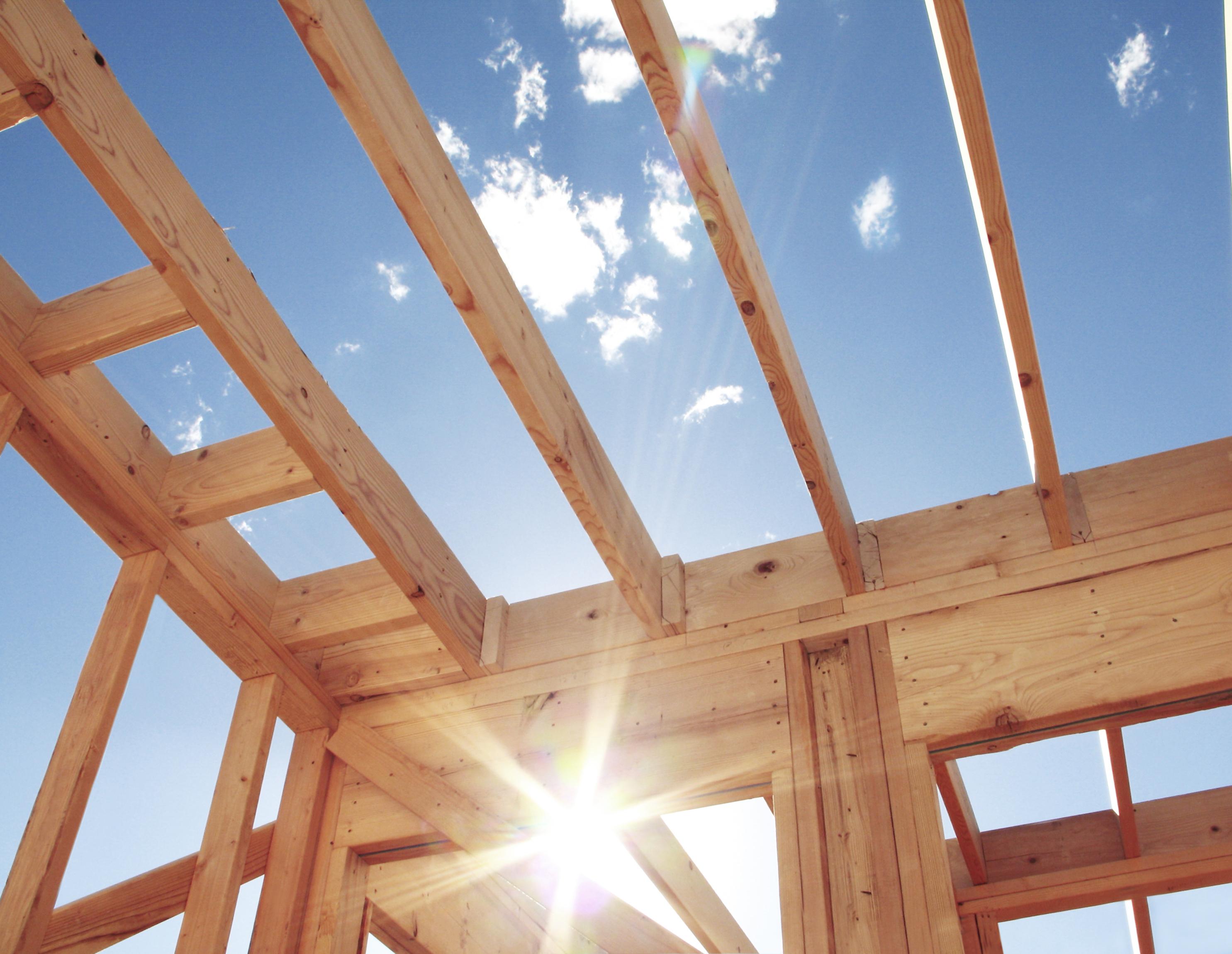 Een foto van hout, natuurlijke materialen behoren tot de tuintrends van volgend jaar