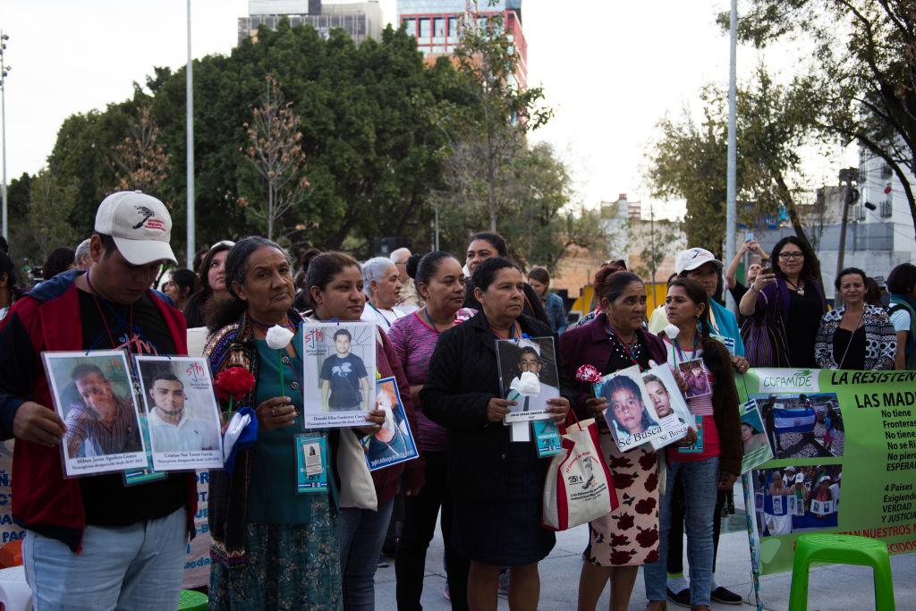 Familieleden op zoek naar hun vermiste kinderen