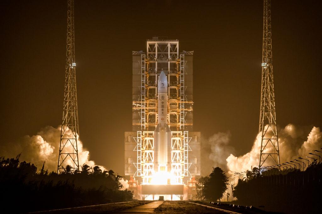 Een foto van de Chinese lancering naar de maan