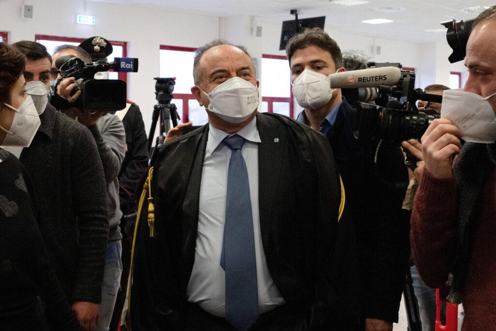 Een foto van aanklager Nicola Gratteri