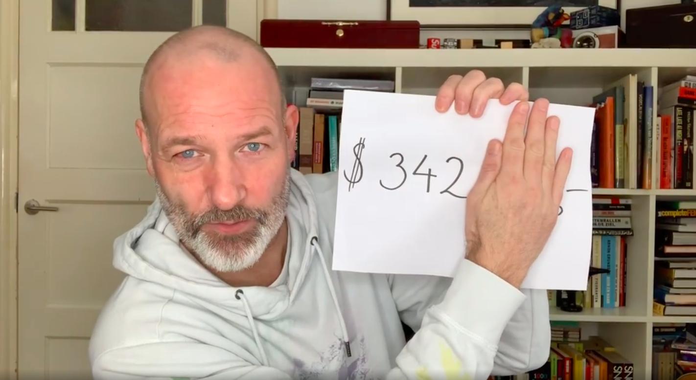Eddy Zoëy ontrafelt mysterie van 72.447 euro aan pakketkosten - Metronieuws.nl