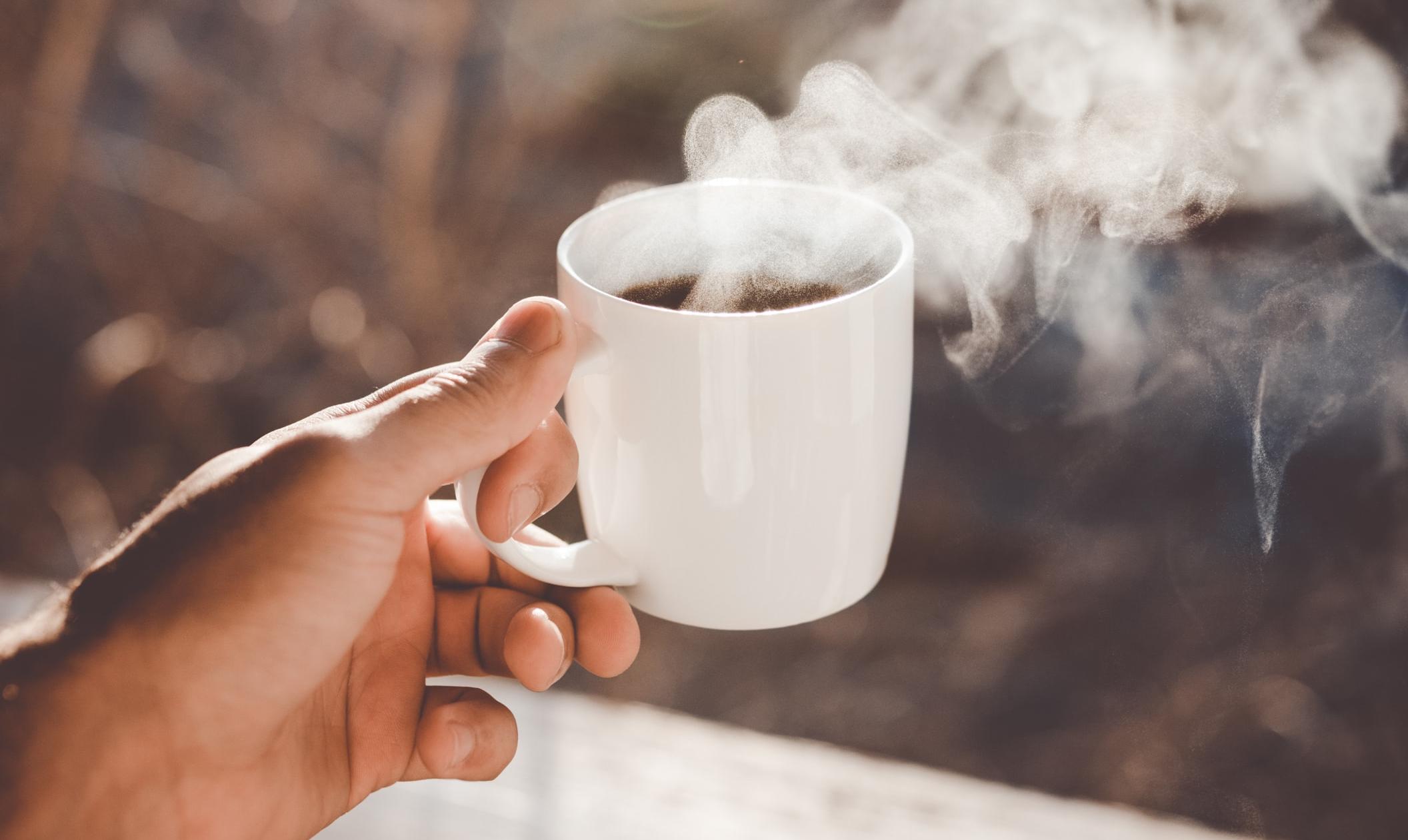 Waarom je je dag beter niet met een kop koffie kunt beginnen